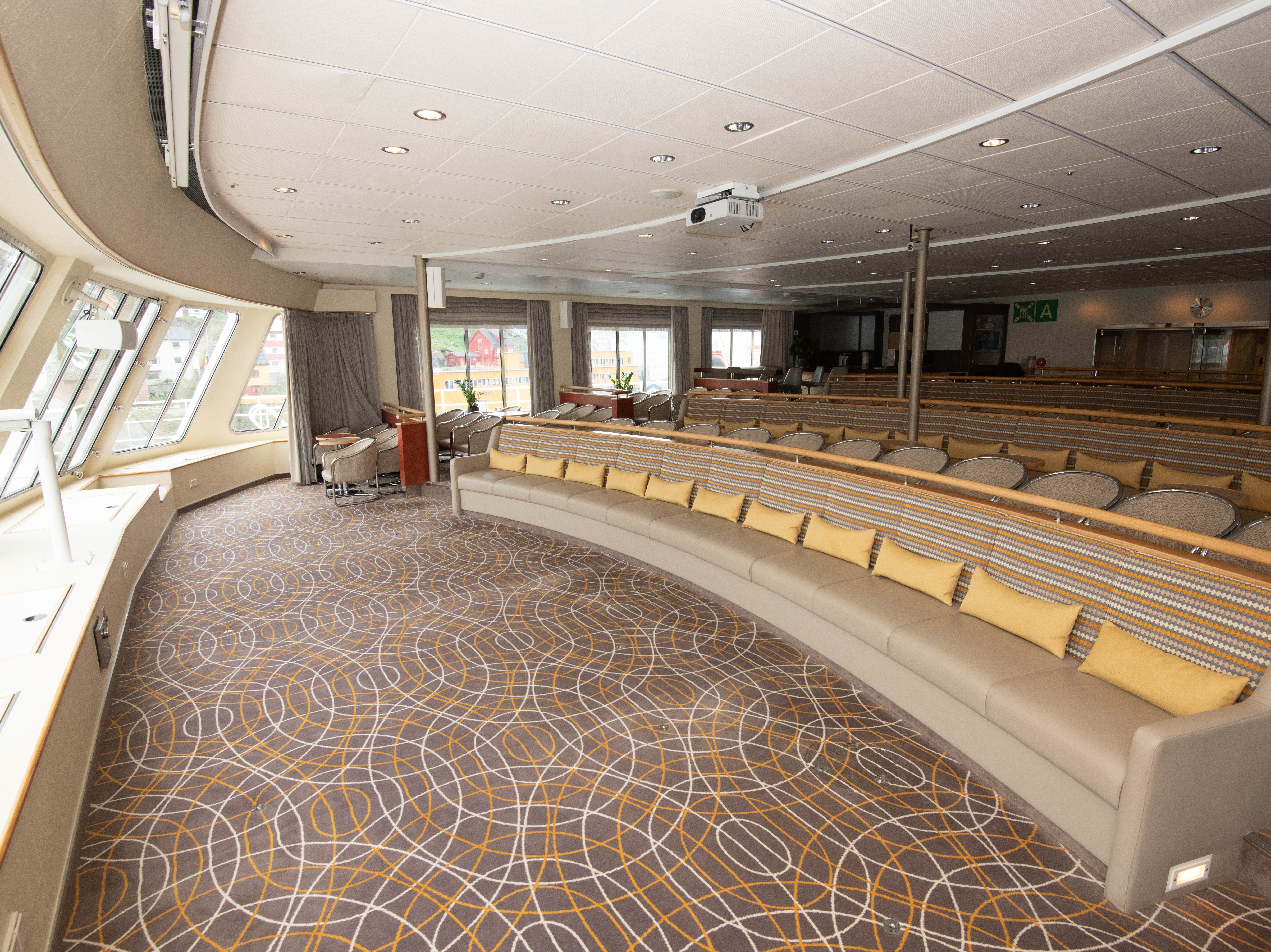 A second, forward-facing lounge is located at the front of Bremen on Deck 7.  Designed with rows of seating facing panoramic windis, it's used primarily for on-board lectures.