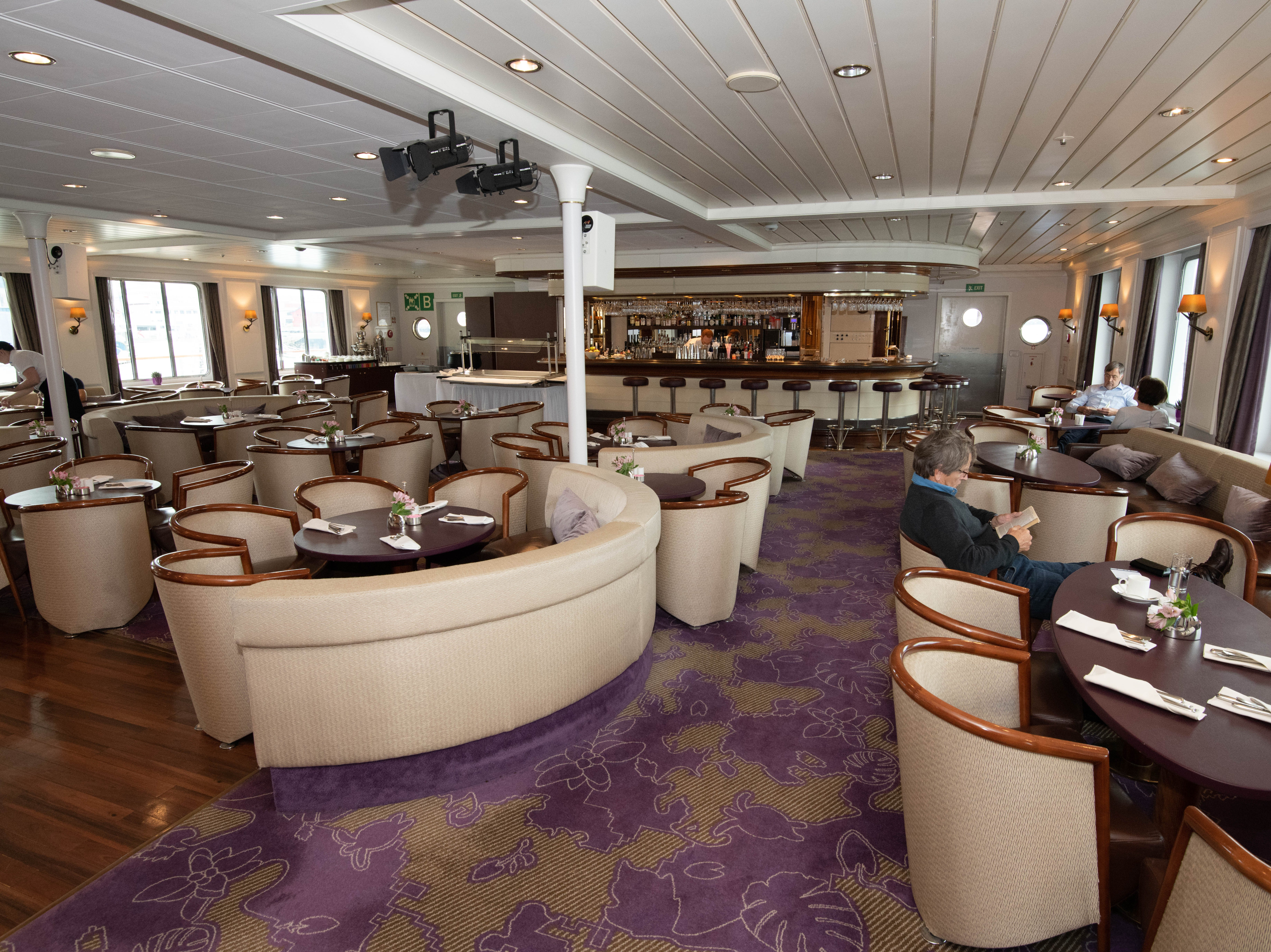 Bremen's main lounge, the Bremen Club, is located at the back of Deck 5. It's  the chief gathering point for passengers during voyages, serving as both a traditional lounge during parts of the day and as the site of casual buffet breakfasts and lunches.