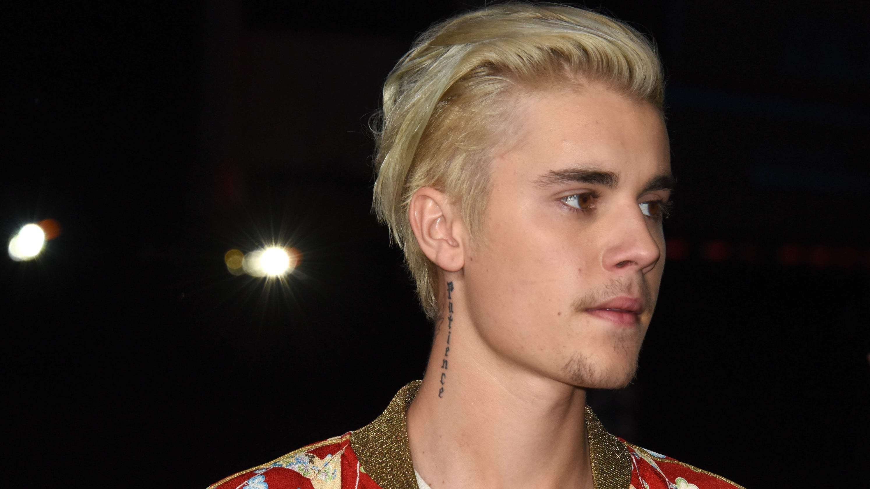 Justin Bieber reveals he's been 'struggling a lot,' asks for