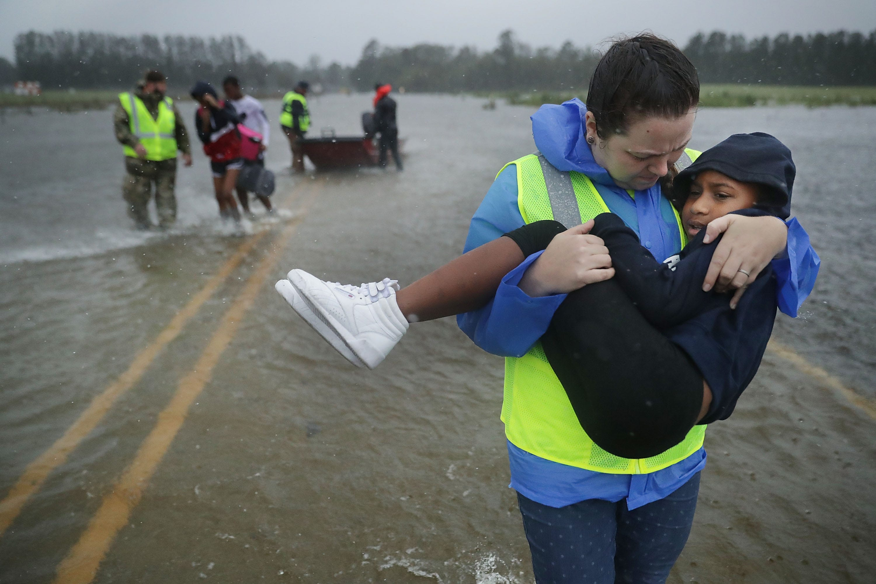 Florence marches into South Carolina, having killed 5 despite dramatic rescues