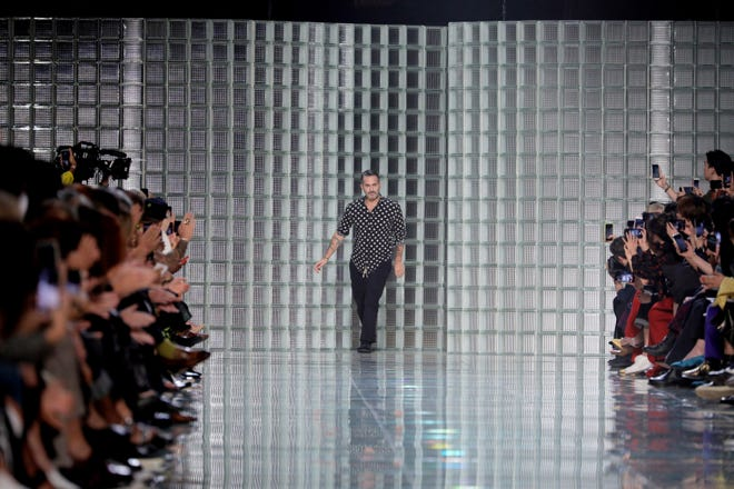 Marc Jacobs apologized on Instagram after his New York Fashion Week show started nearly 90 minutes late.