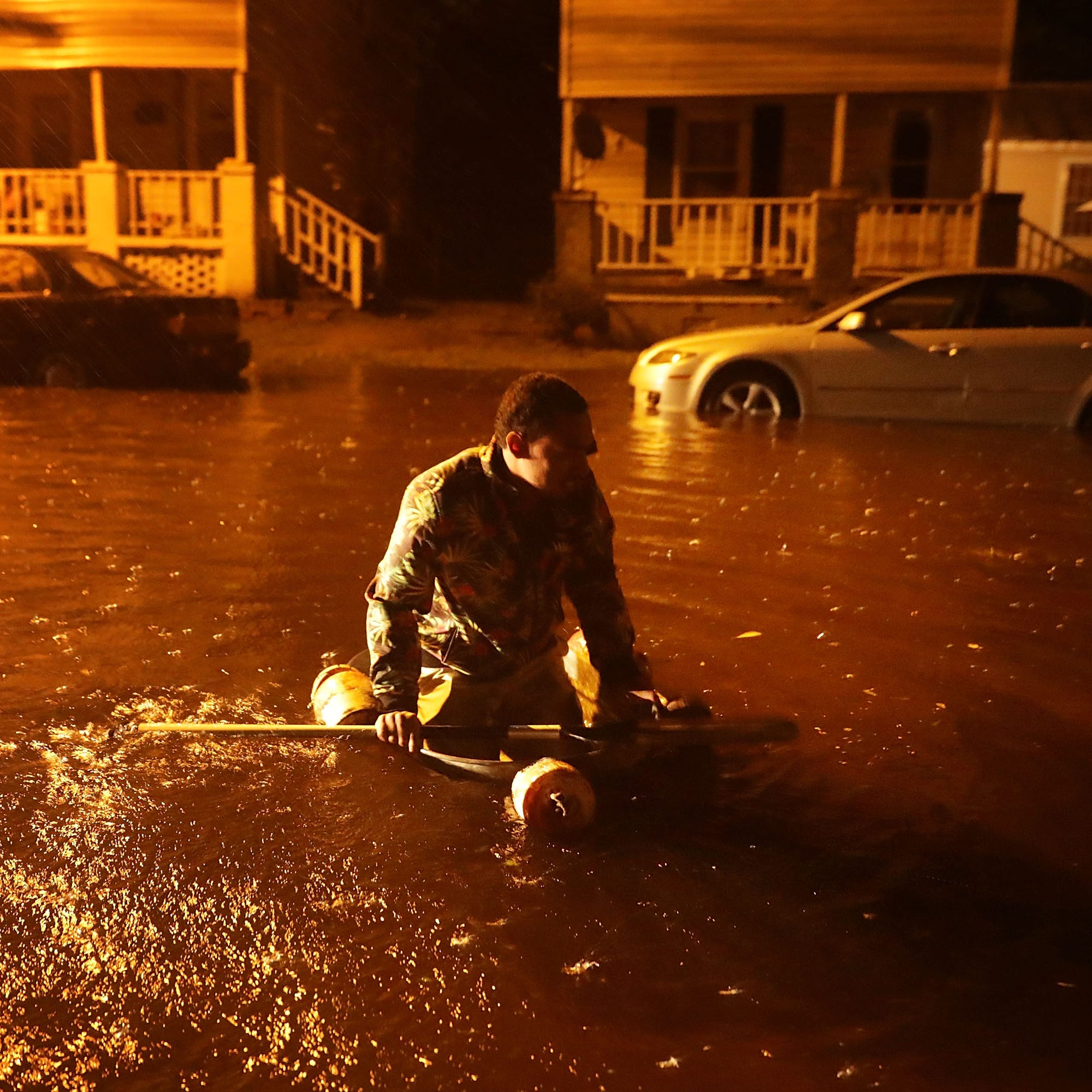 Hurricane Florence: Hundreds in New Bern need rescue from 'catastrophic storm surge'