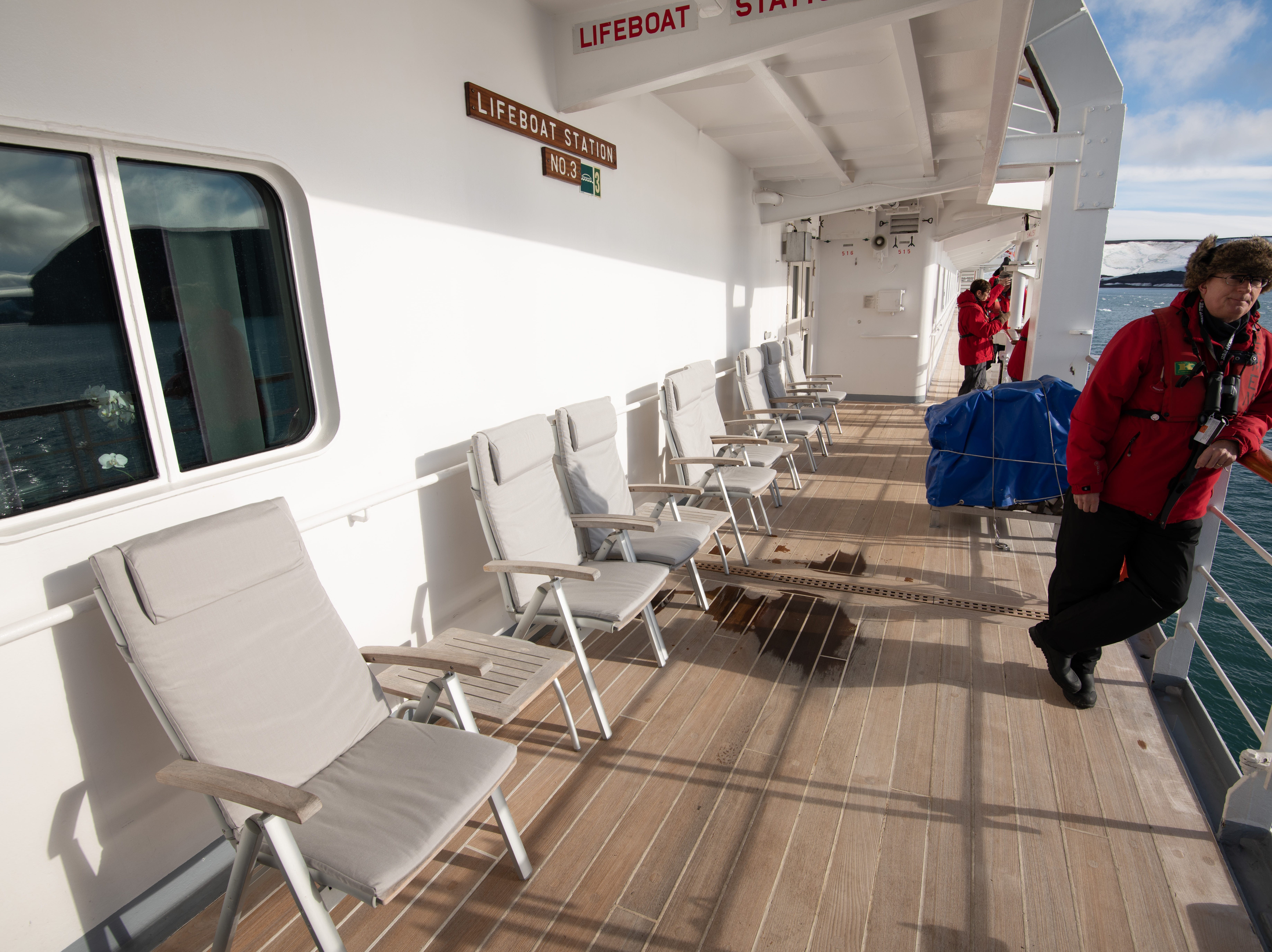 More outdoor seating can be found along Deck 5.