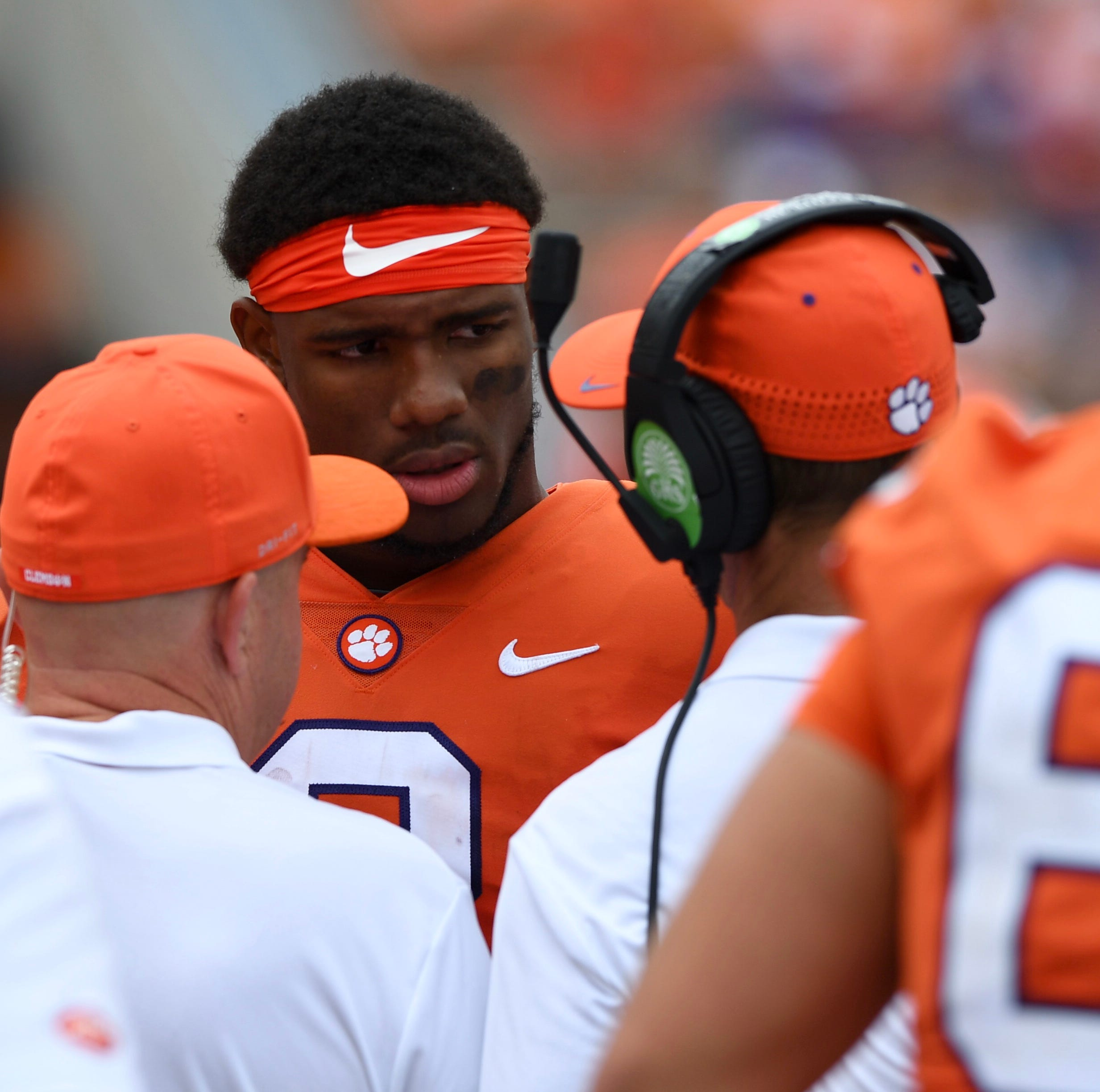 Clemson quarterback Kelly Bryant leaves game with injury