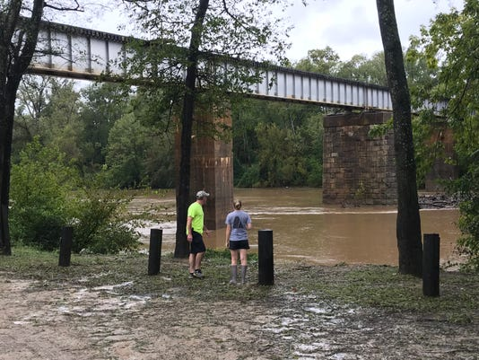 133d18543d74e Florence: Fayetteville mayor has warning for those who don't evacuate