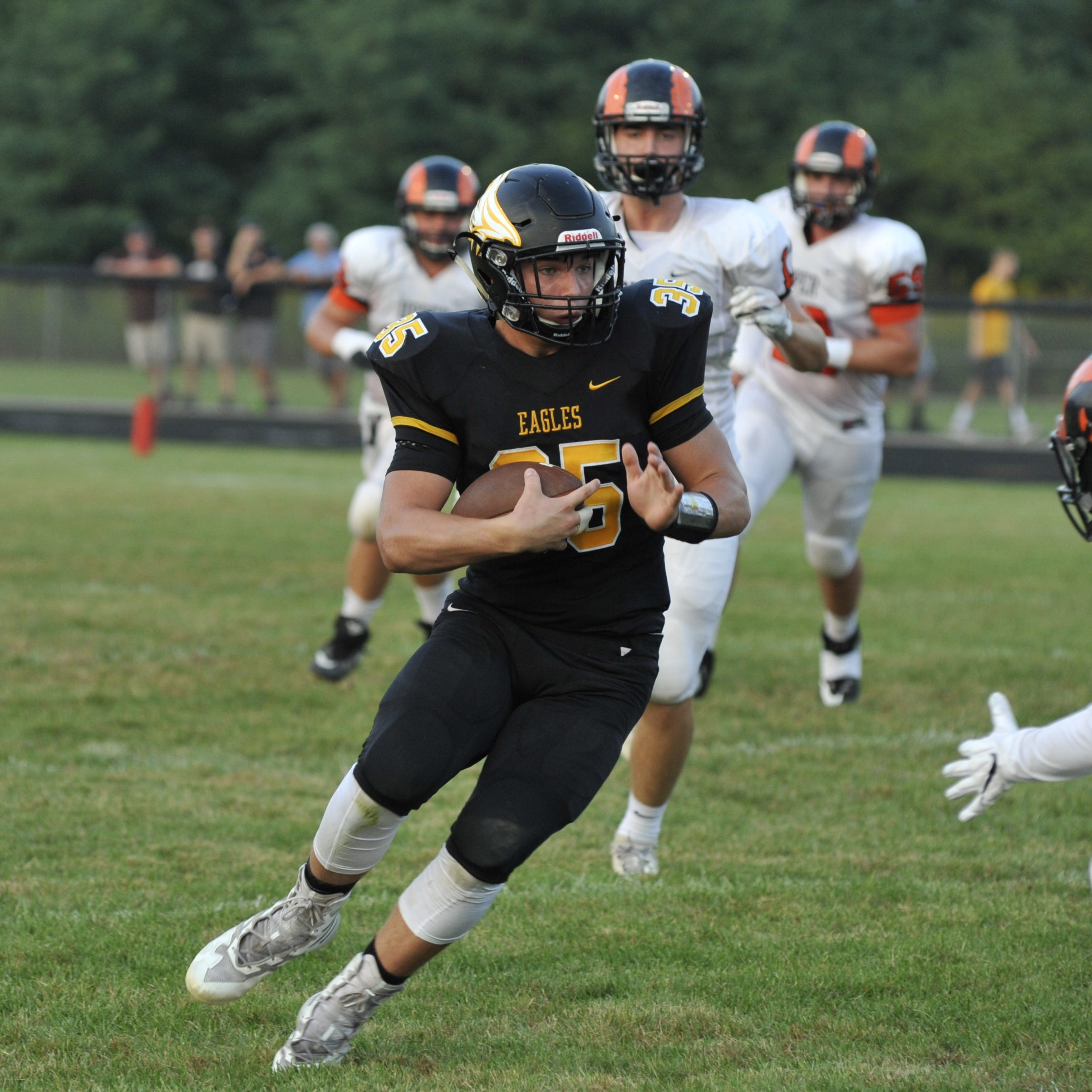 Colonel Crawford dominates Upper Sandusky in league opener