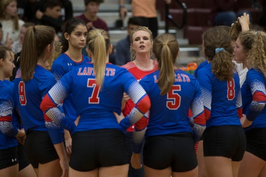 Gregory-Portland and Calallen compete in their 29-5A volleyball match on Friday, Sep. 14, 2018 at Calallen High School.