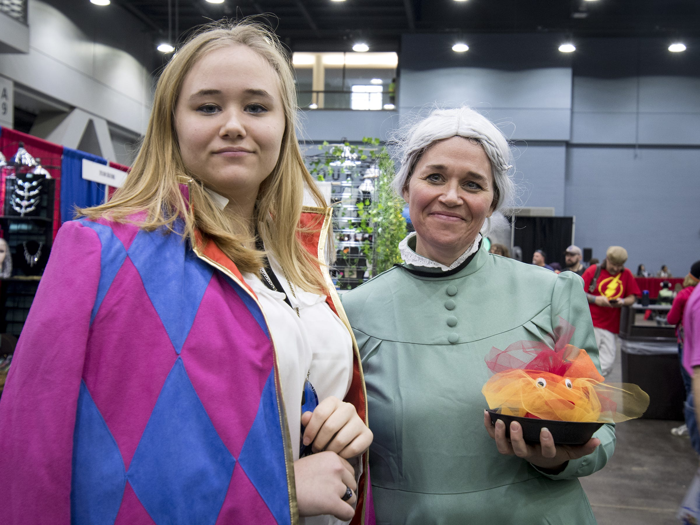 Elizabeth and Danielle Nicolia of Bremen dress as the wizards Howl and Sophie from Howl's Moving Castle.
