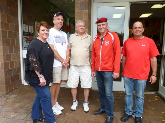 Curtis Sliwa, second from right,  with Councilman Joe Lukac, right, Council President Steve Szabo, Mayor Richard Onderko and Councilwoman Michele Magnani.