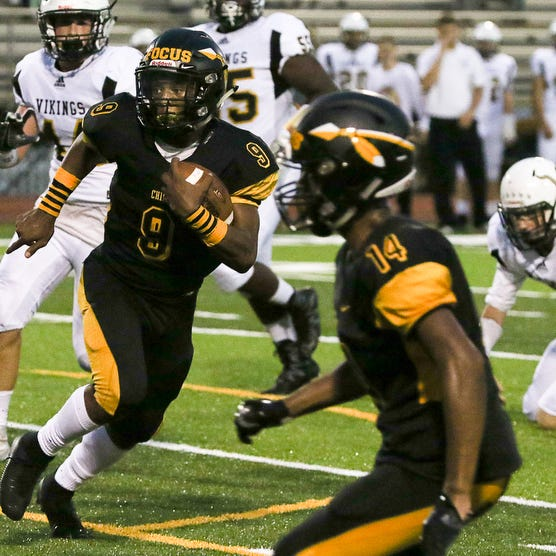 Piscataway's Juwon Jackson looks for running room against South Brunswick on Friday, Sept. 14, 2018 at Piscataway.