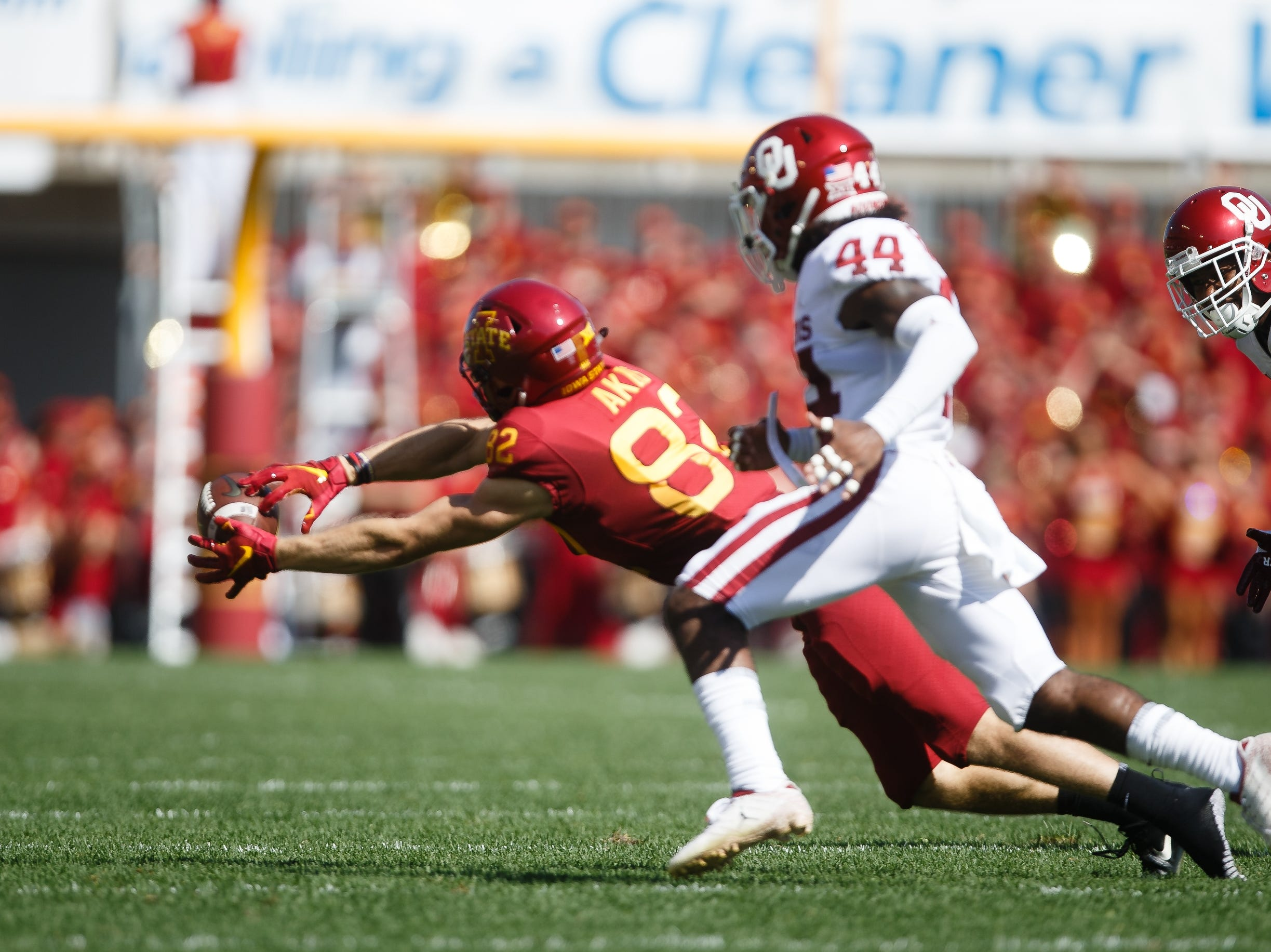 Iowa State's Landen Akers (82) can't come up with a pass during their football game against Oklahoma at Jack Trice Stadium on Saturday, Sept. 15, 2018 in Ames. Oklahoma would go on to win 37-27.