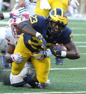 Michigan running back O'Maury Samuels runs the ball against SMU during the second half Saturday, Sept. 15, 2018 at Michigan Stadium in Ann Arbor.