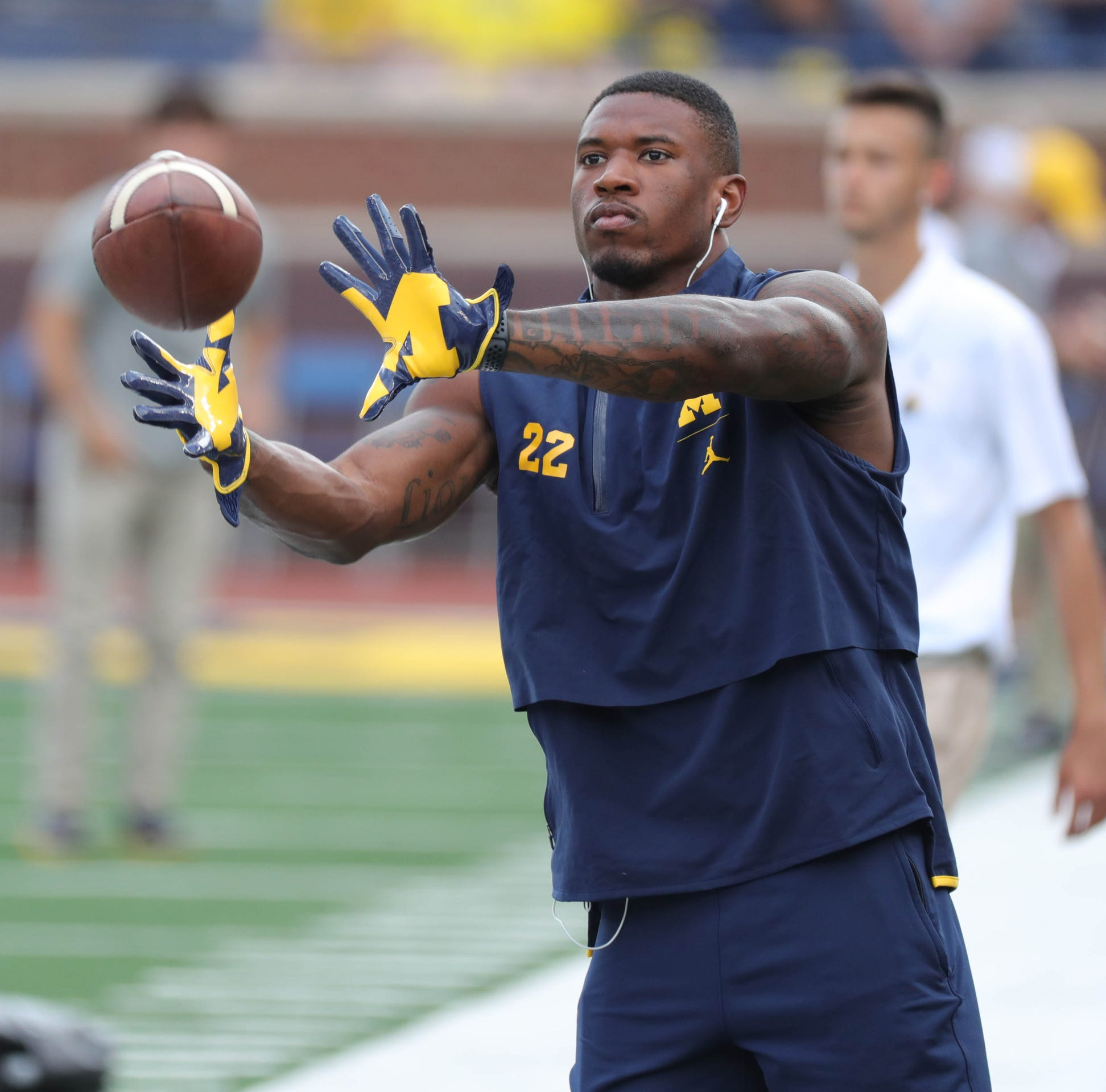 Michigan RBs Karan Higdon, Chris Evans both practice, per teammate