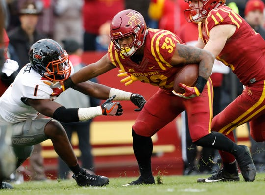 Iowa State running back David Montgomery (32)