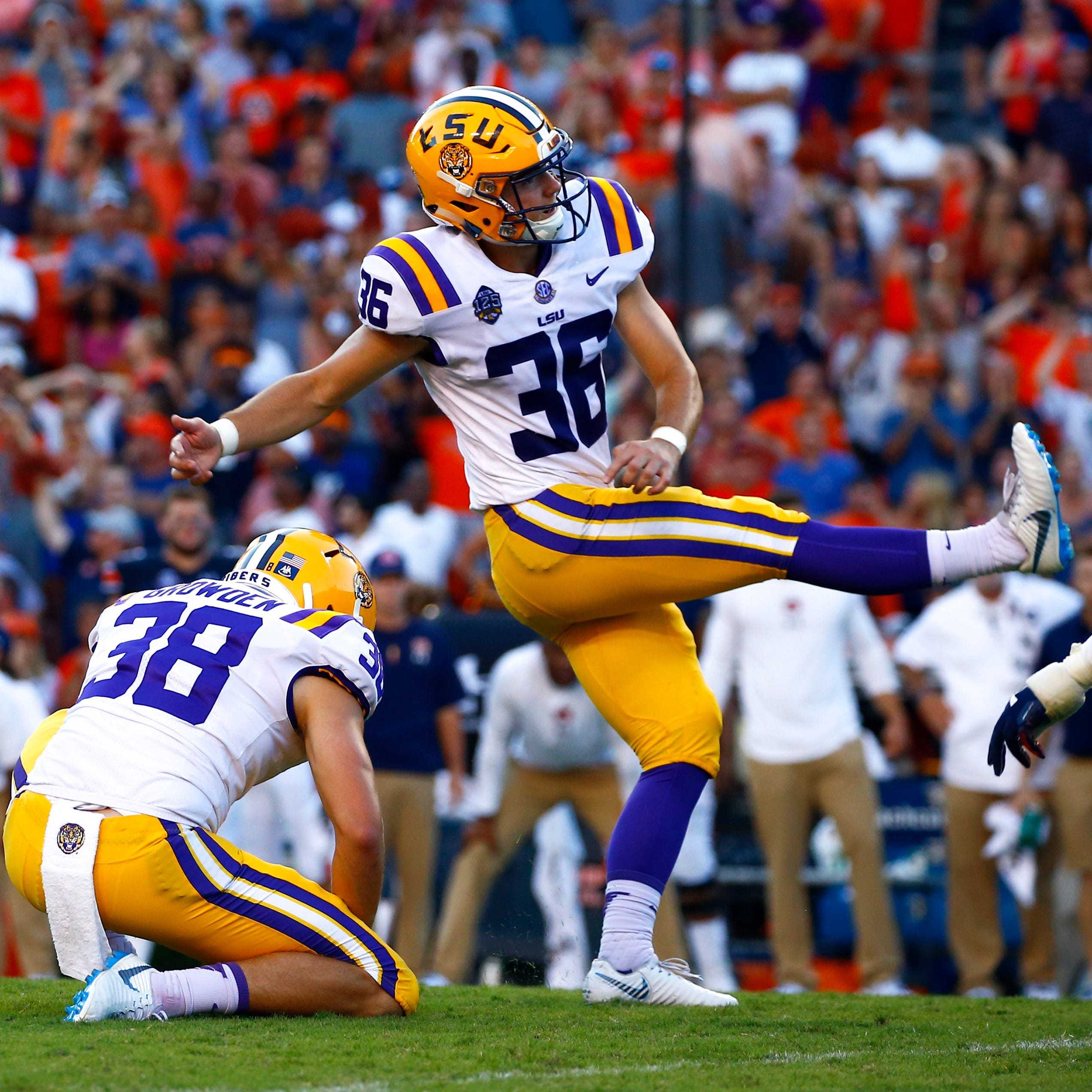 Saturday's top 25: LSU edges Auburn on last-second field goal