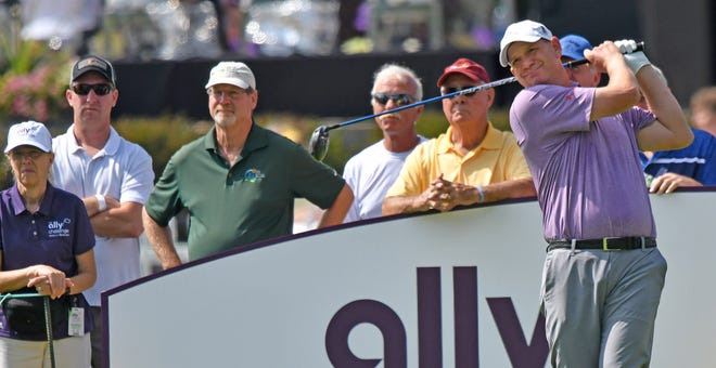 Tom Gillis tied for sixth in the first Champions Tour playoff tournament.
