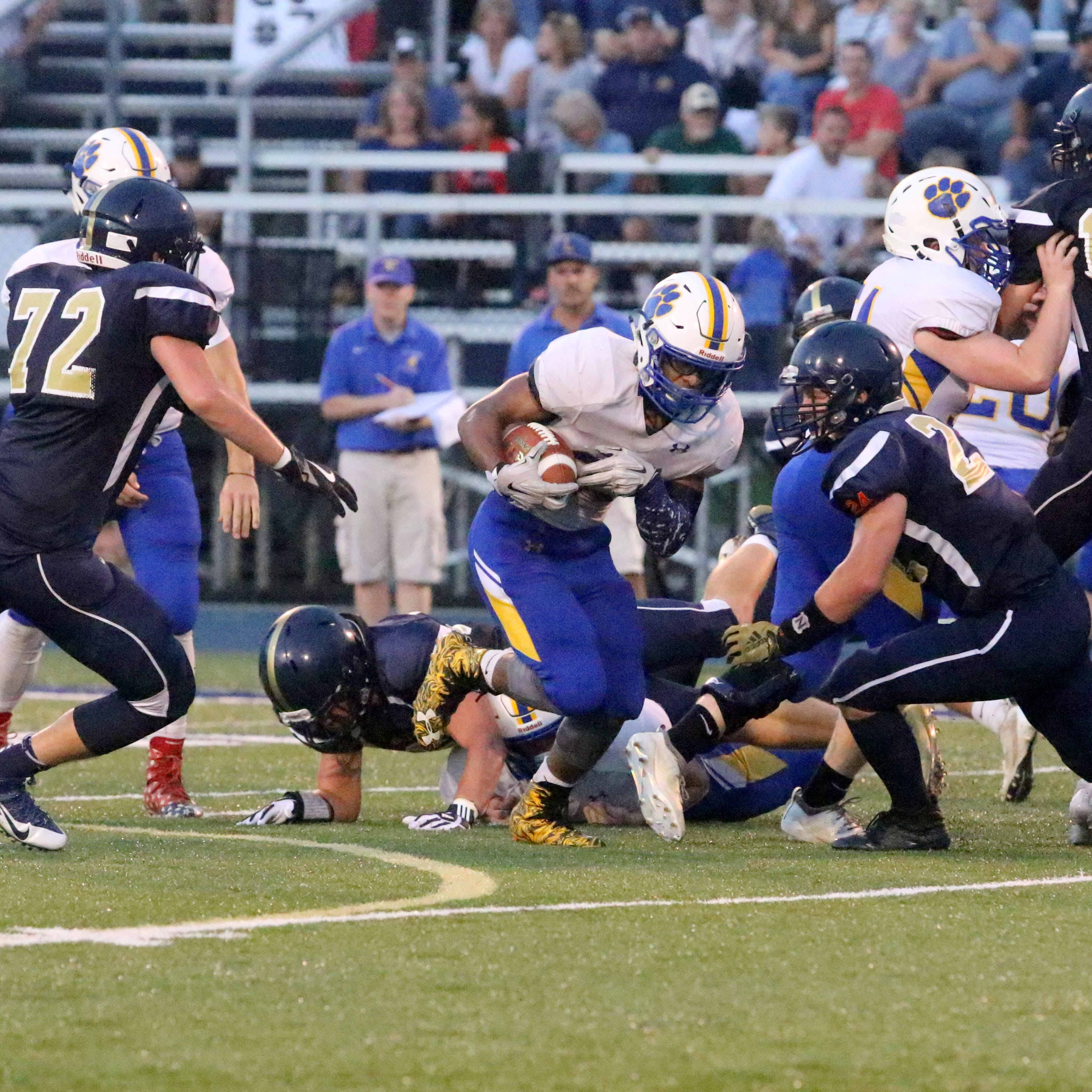 Big plays carry Lansing past Notre Dame as eight-man football gets going