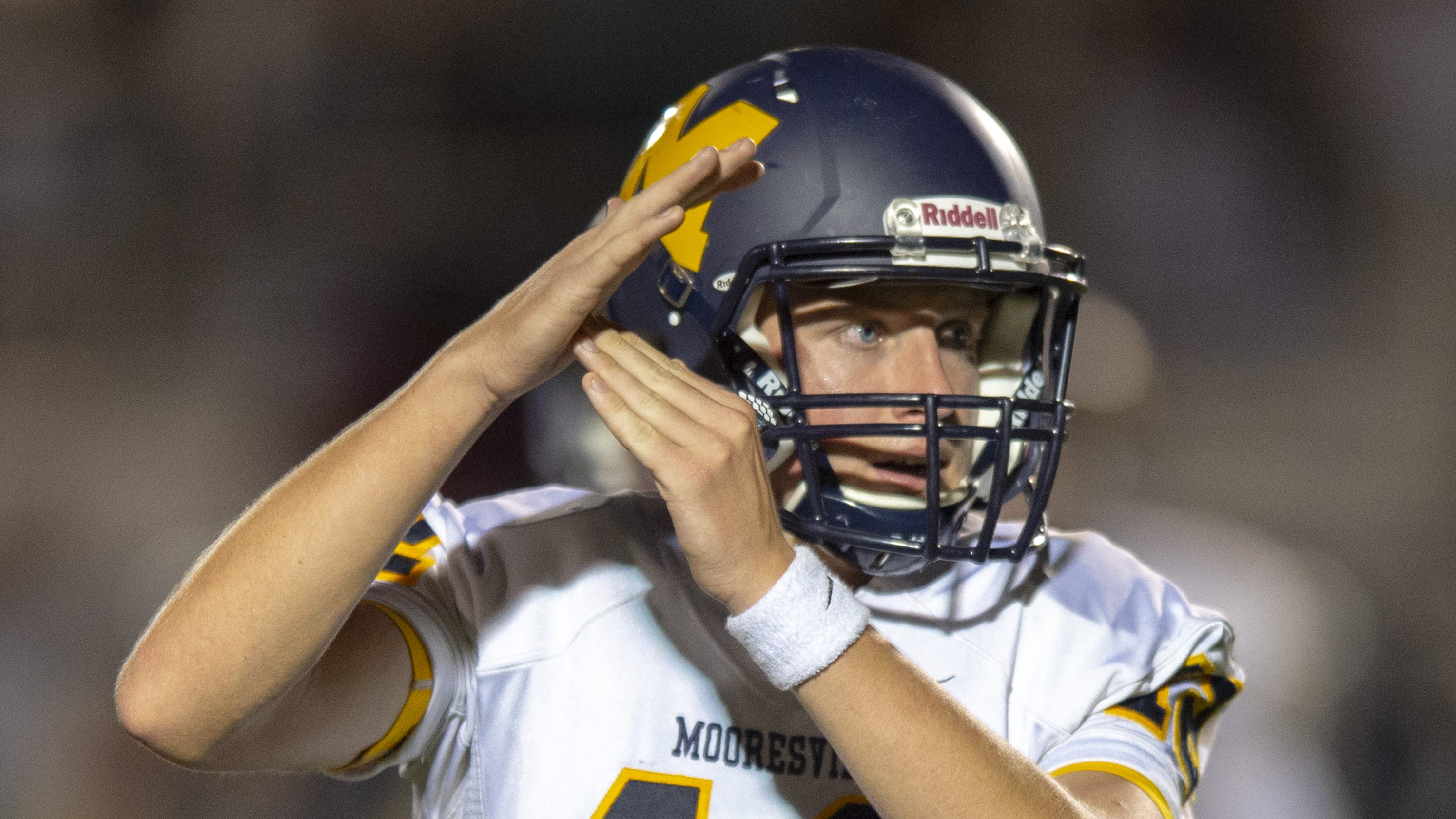 Indiana HS football: Late FG lifts Mooresville over ...