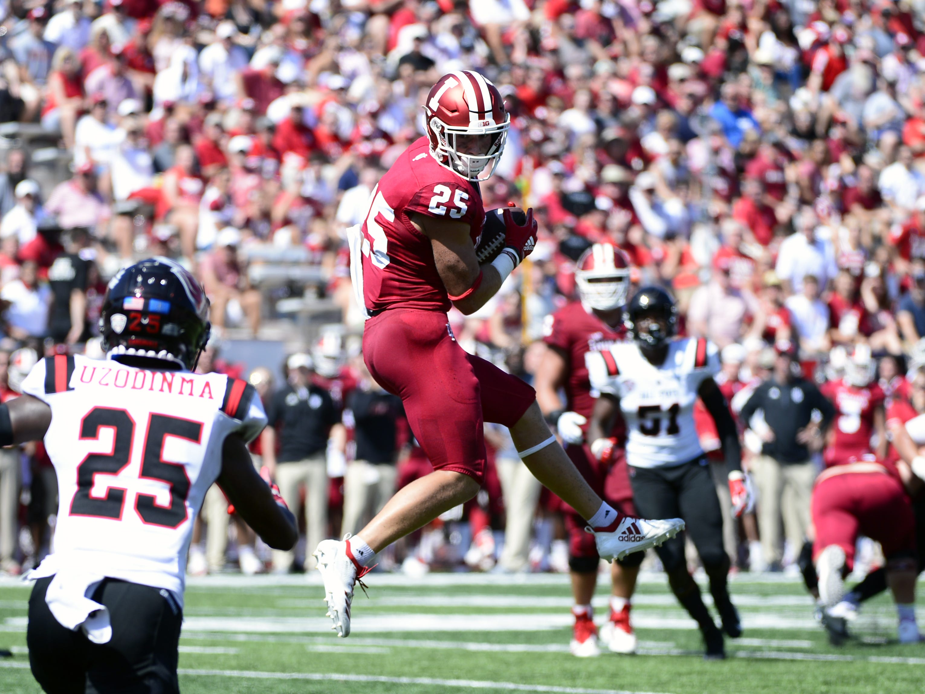 Indiana Hoosiers wide receiver Luke Timian (25) catches a pass during the game against Ball State at Memorial Stadium in Bloomington, Ind., on Saturday, Sept. 15, 2018.