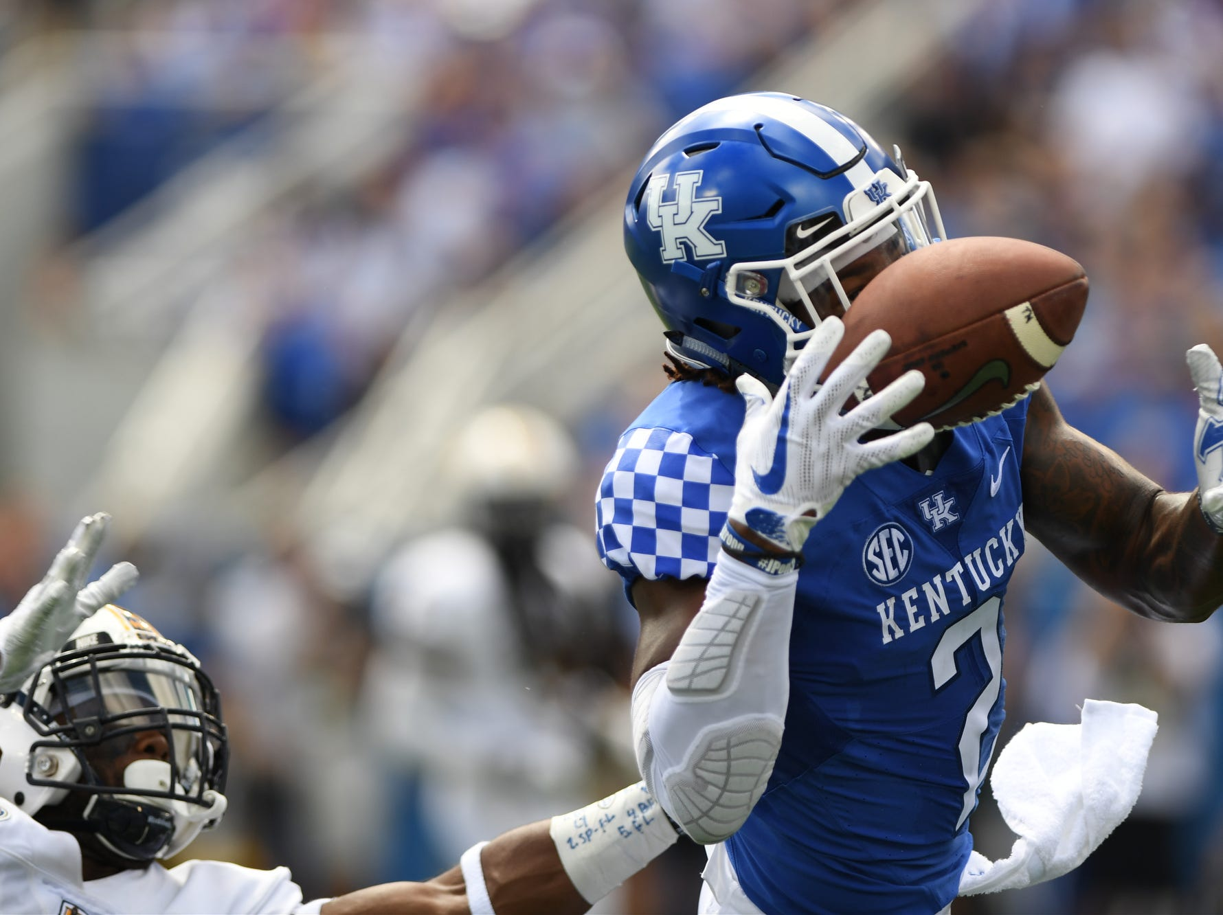 UK WR Dorian Baker is unable to make the catch during the University of Kentucky football game against Murray State at Kroger Field in Lexington, Kentucky on Saturday, September 15, 2018.