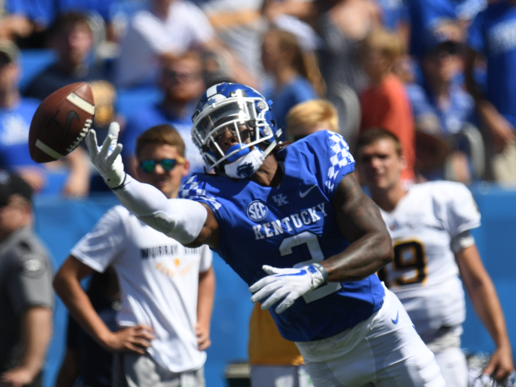 Kentucky wide receiver Dorian Baker stretches for the ball during the University of Kentucky football game against Murray State at Kroger Field in Lexington, Kentucky, on Saturday, Sept. 15, 2018.