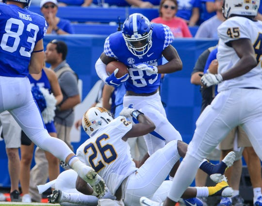 Allen Dailey runs the ball during Saturday's game vs. Murray State.