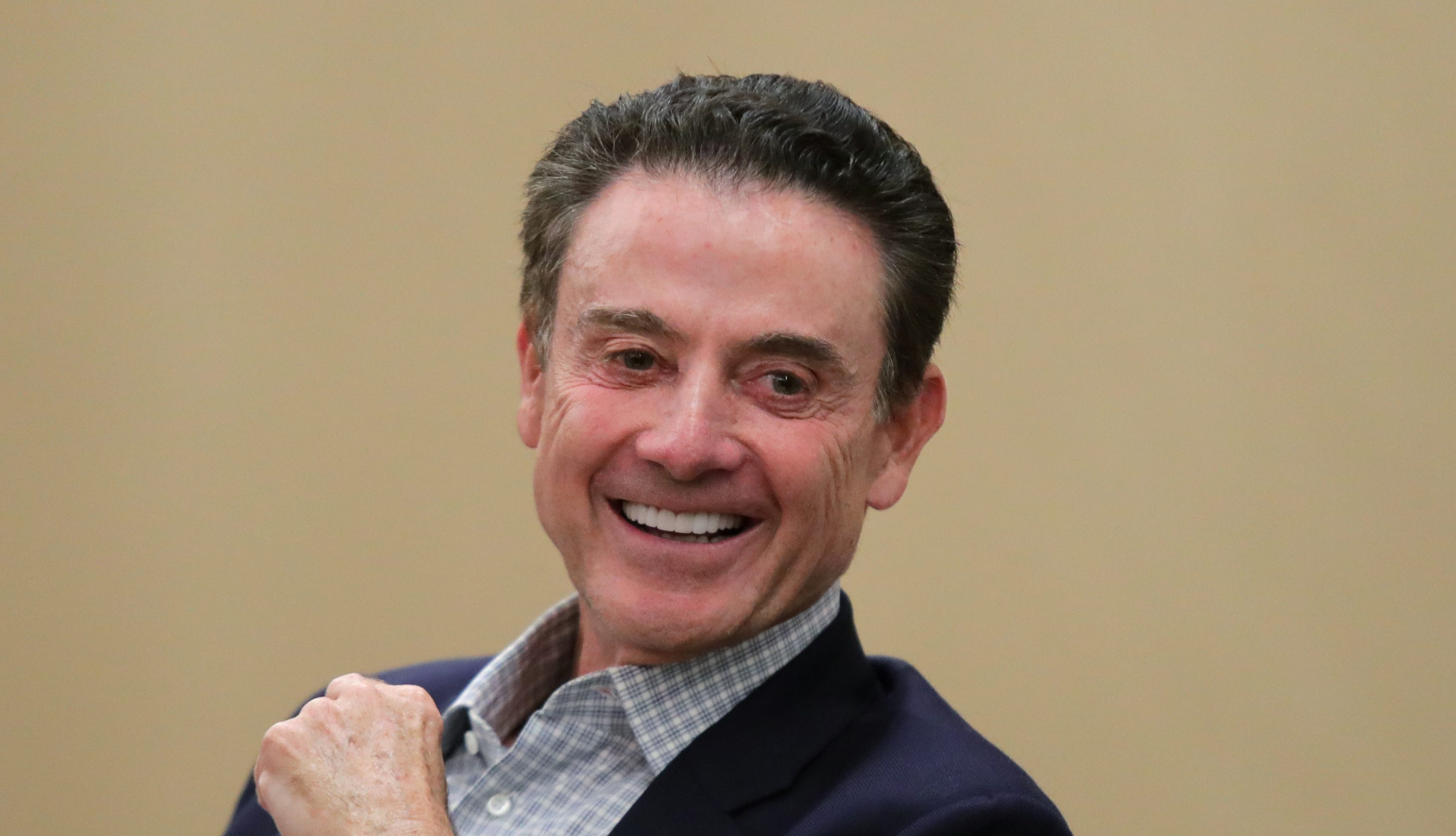 Rick Pitino should be wary of Greeks offering coaching jobs