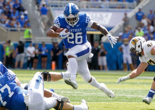 Benny Snell runs for Kentucky football versus Murray State