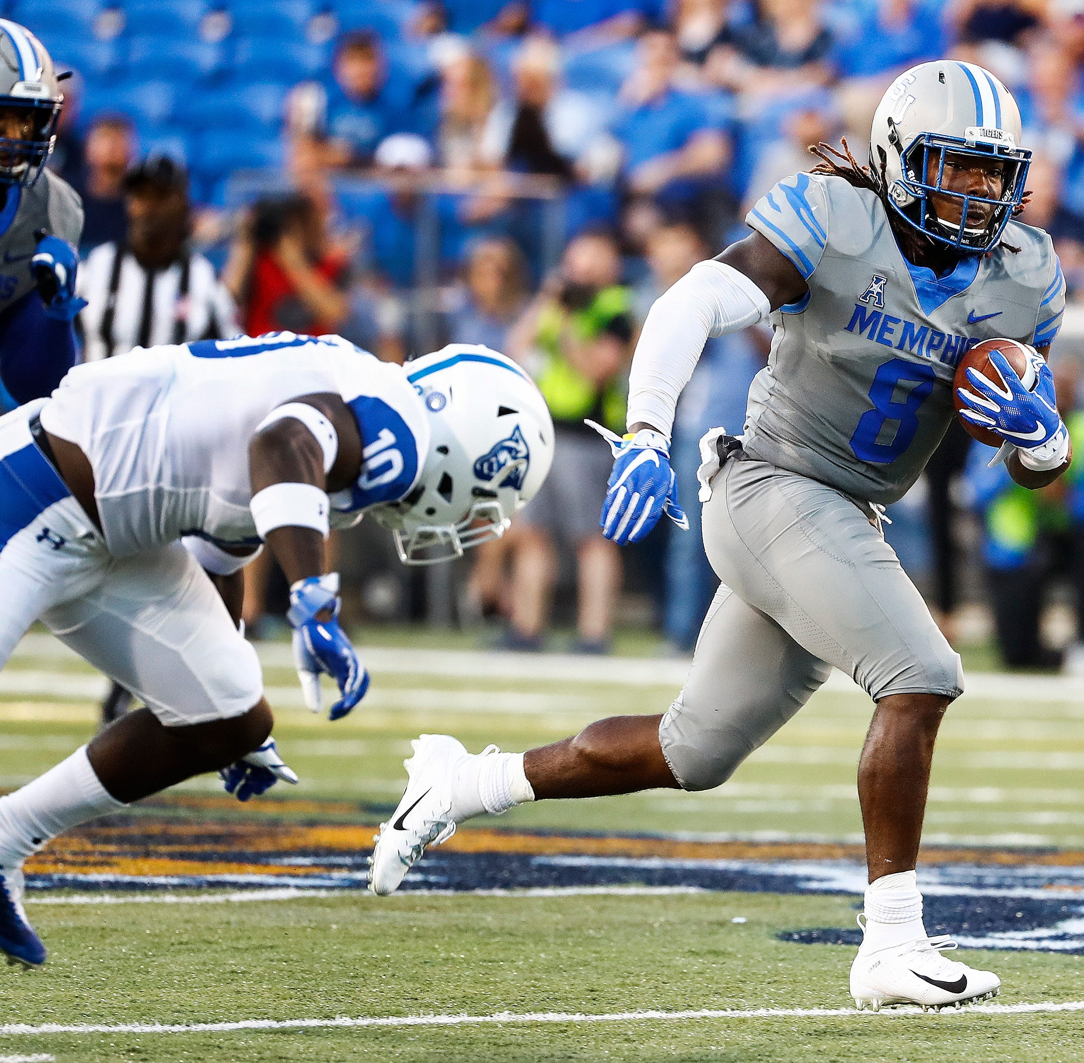 Memphis football adds wrinkle to dynamic offense with wildcat formation