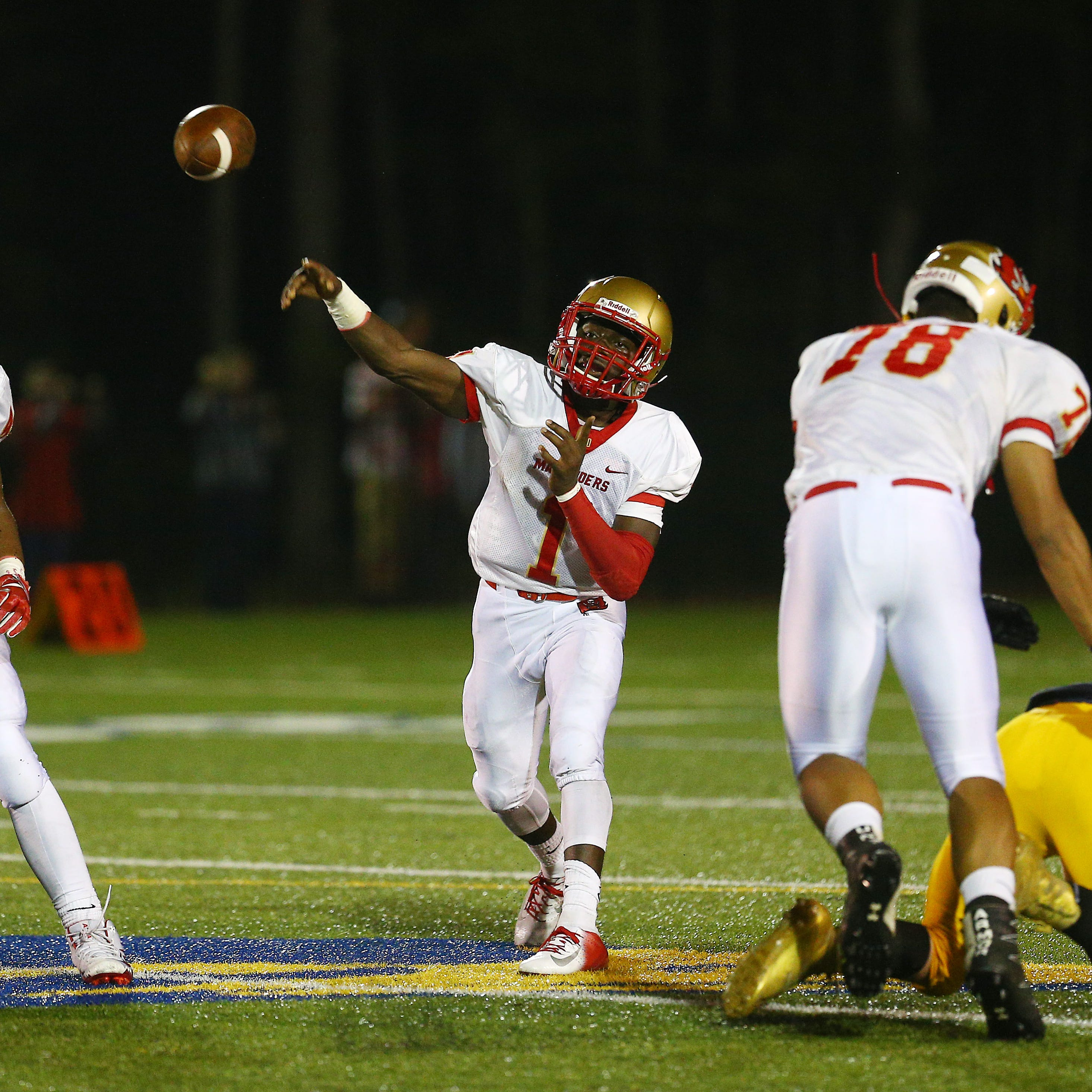 Mount Olive football holds off Jefferson to stay undefeated