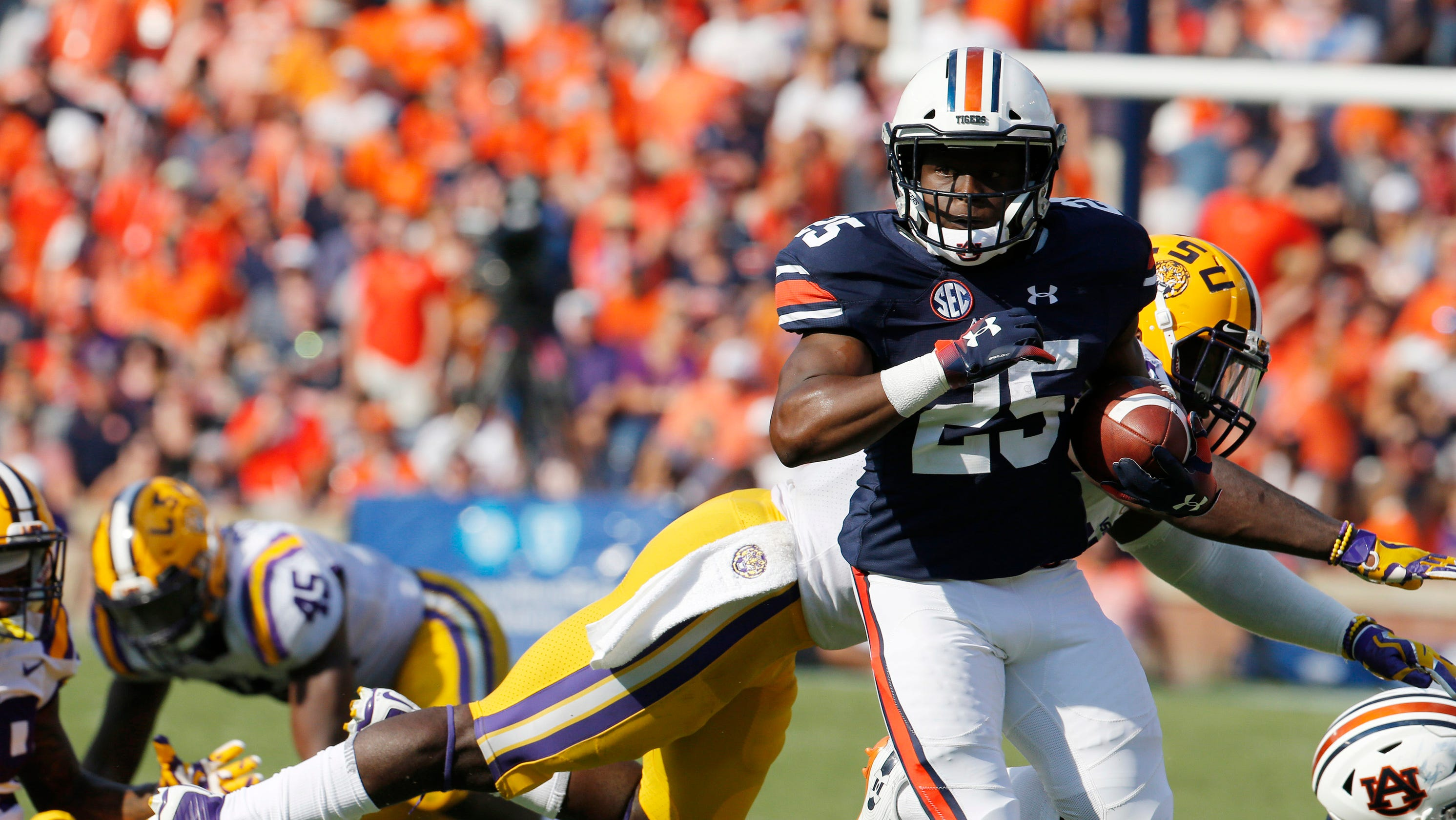 best authentic e4be5 f326c Auburn football fans compare Shaun Shivers to Incredibles