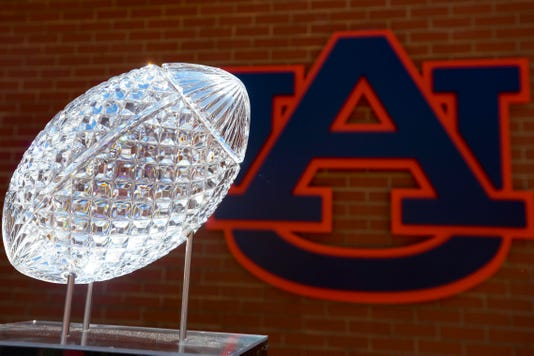 Ncaa Football Louisiana State At Auburn