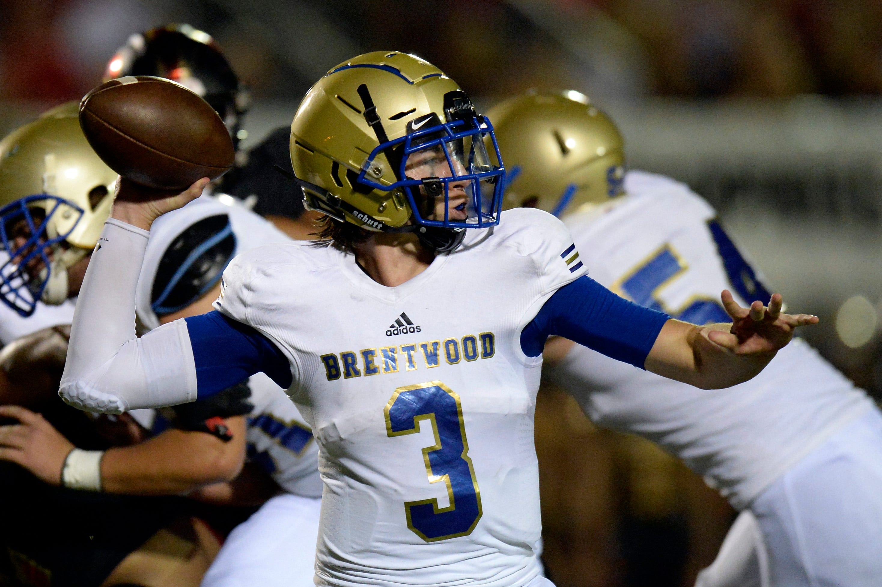 Watch: Brentwood's Cade Granzow throws TD pass to Chayce Bishop