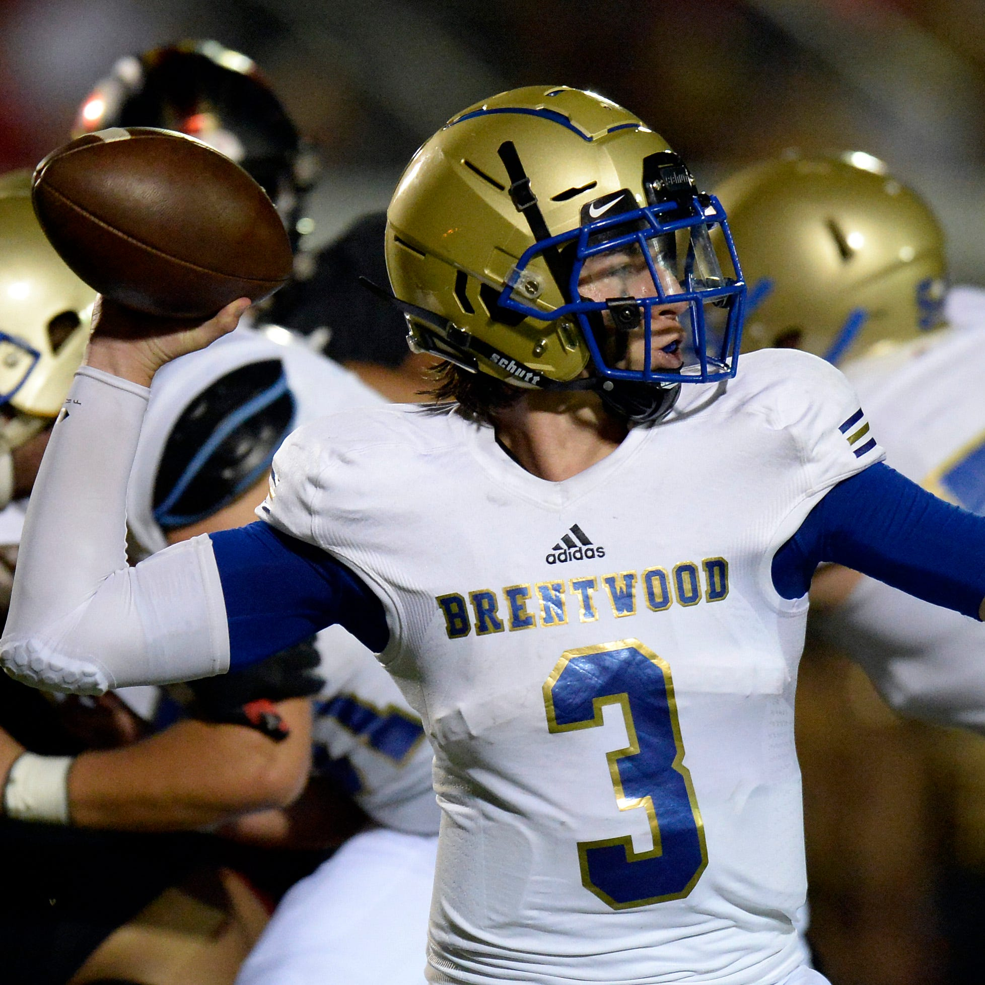 Vote for the top Nashville area high school football play from Week 5