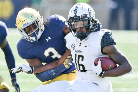 Ncaa Football Vanderbilt At Notre Dame