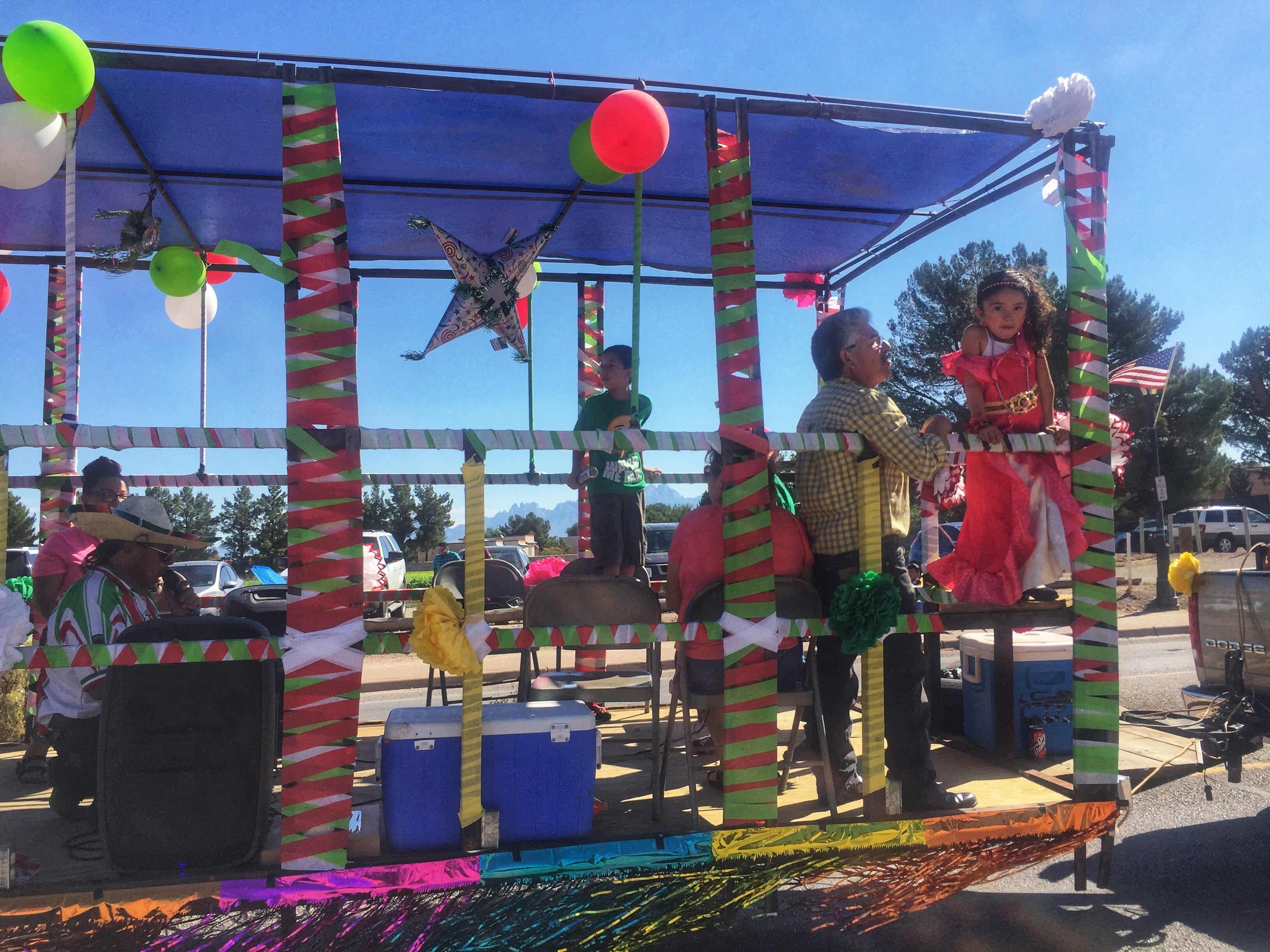 The Town of Mesilla celebrated its annual Diez y Seis de Septiembre fiesta and parade this weekend to honor Mexican Independence Day. The parade kicked off at 10 a.m. Saturday along Avenida de Mesilla and ended at Four Points Gin. Parade participants waved and tossed candies to onlookers.