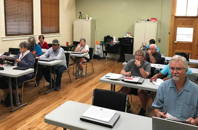 New Mexico seniors receive free computer safety training.