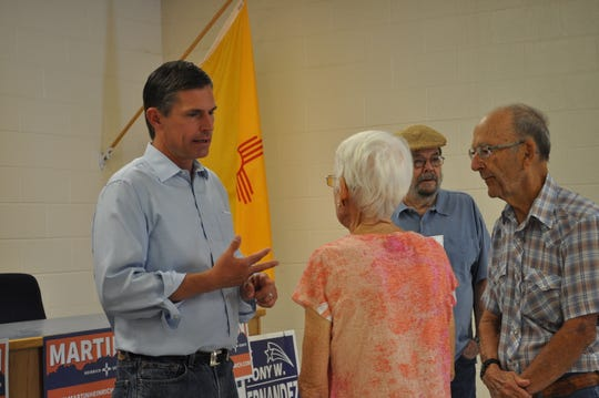 Senator martin Heinrich speaks with members of the Carlsbad public Sep. 15 in Carlsbad, New Mexico.