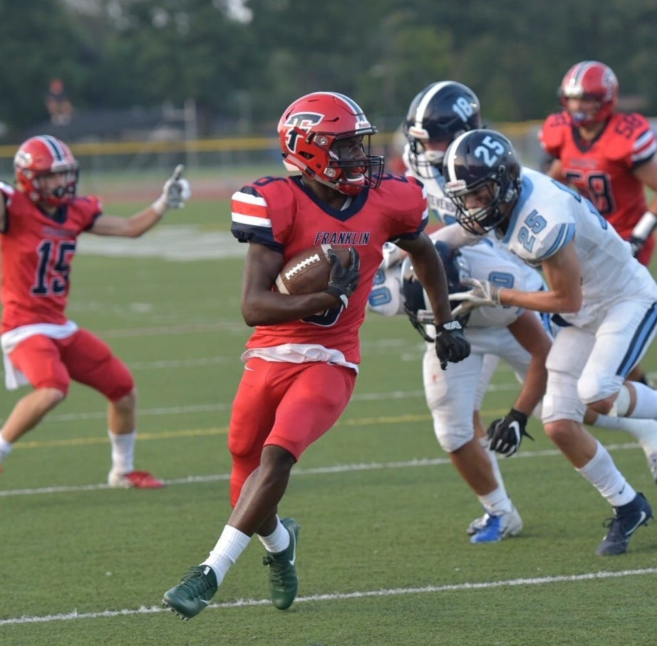 Franklin wins third straight with 49-7 rout of rival Stevenson