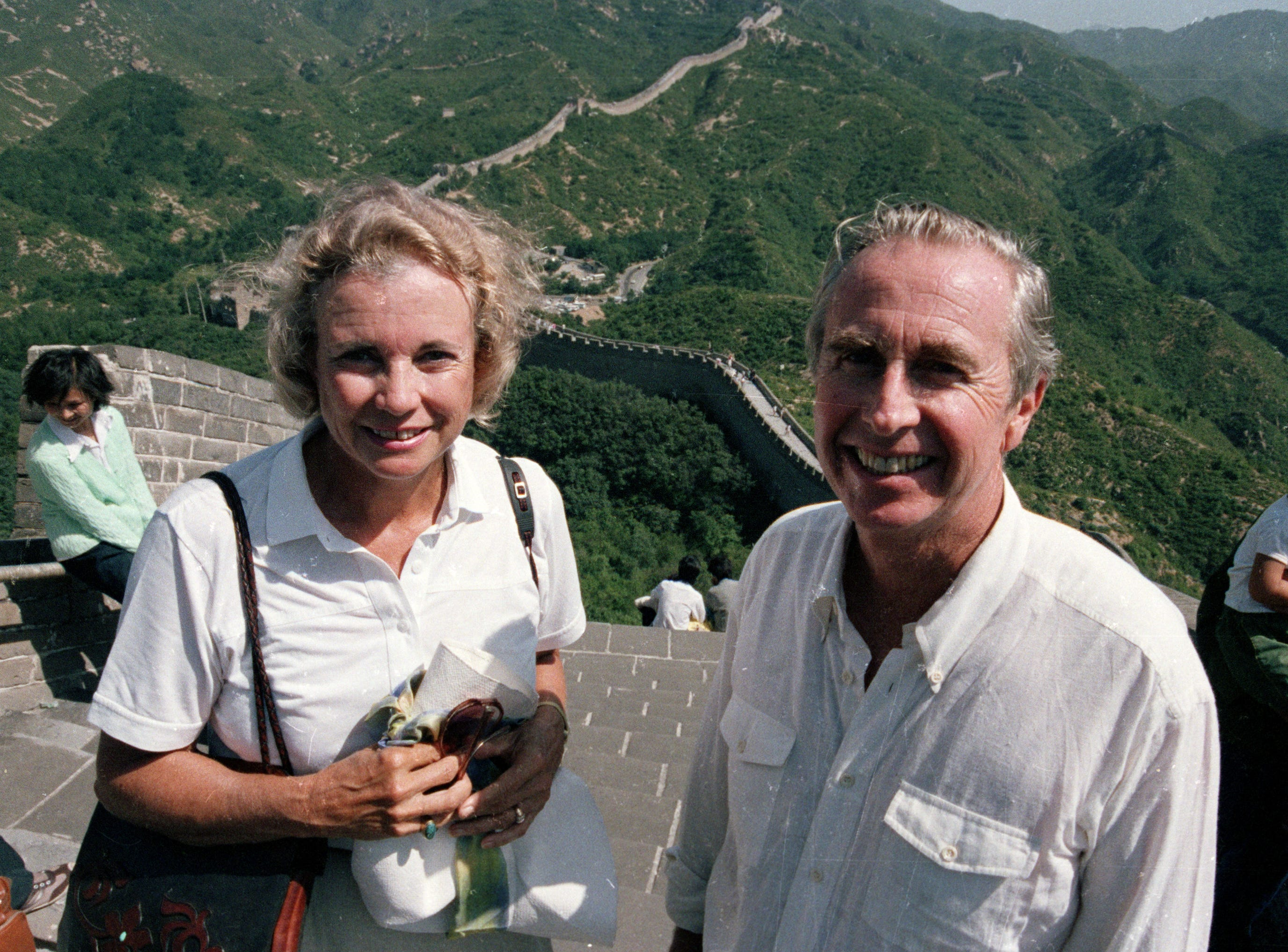 U.S. Supreme Court Justice Sandra Day O'Connor and her husband John J. O'Connor visit the Great Wall of China at Badaling, north of Beijing, Aug. 28, 1987.