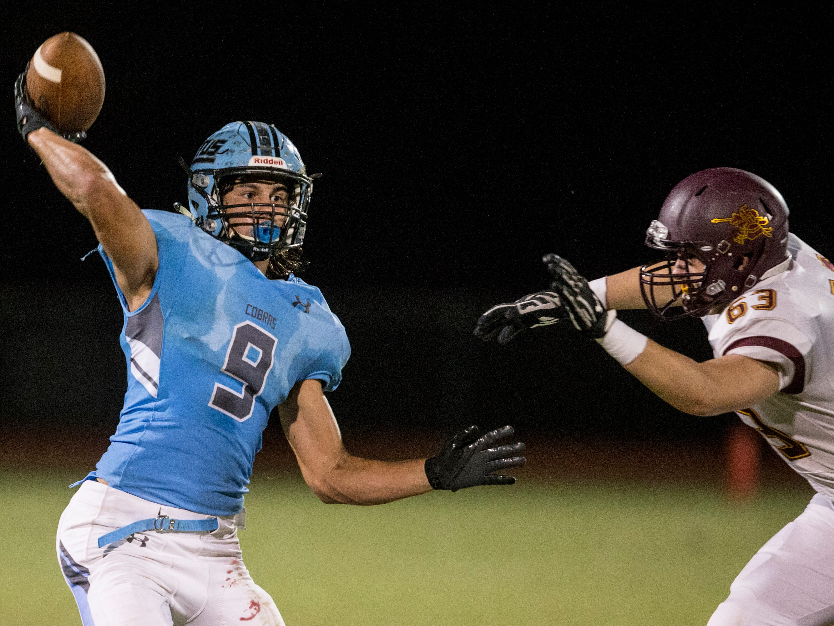 Cactus' Zach Cullop throwsagainst Salpointe in the 2nd quarter on Friday, Sept. 14, 2018, at Cactus High School in Glendale, Ariz.#azhsfb
