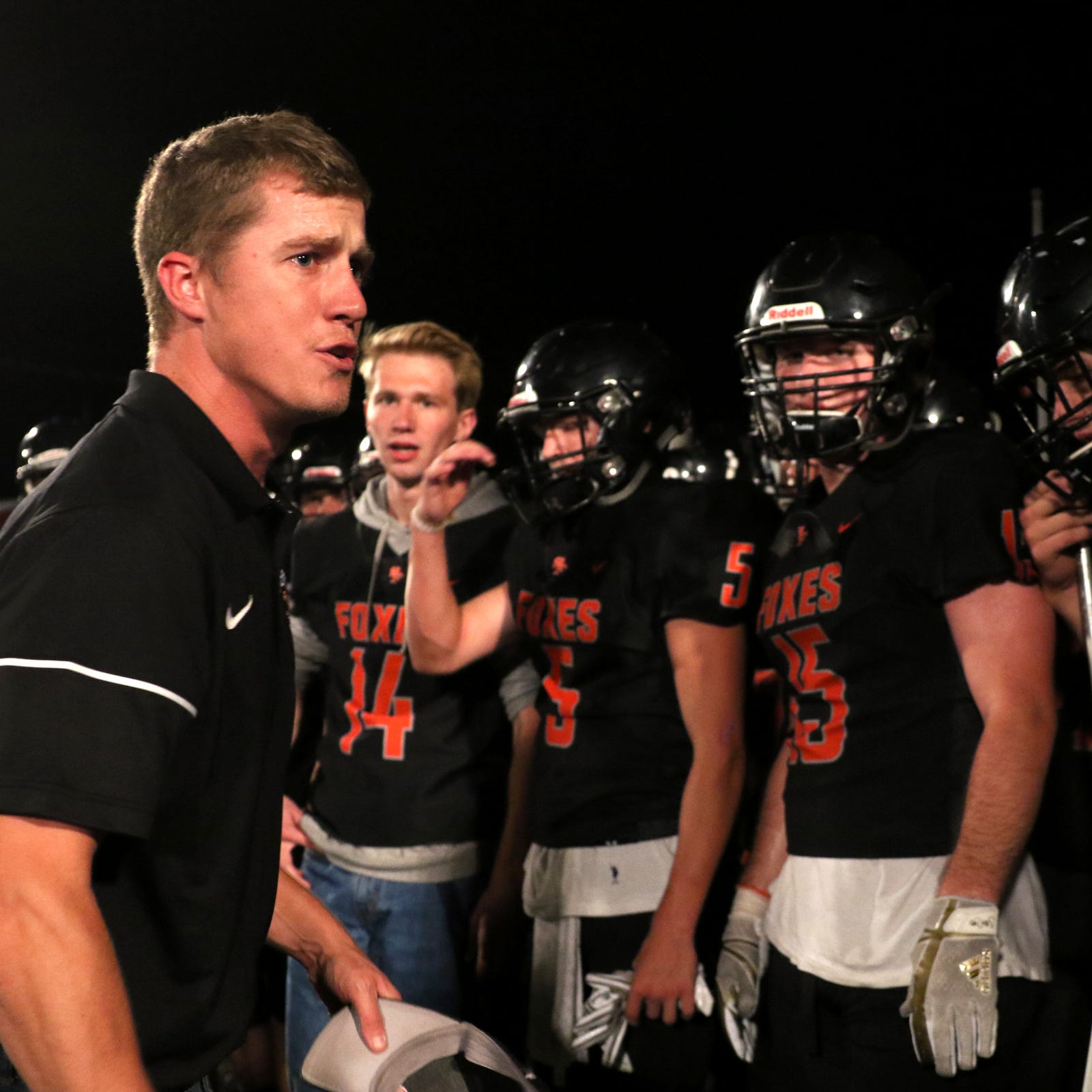 Football roundup: Silverton wins; Salem-Keizer teams continue to struggle