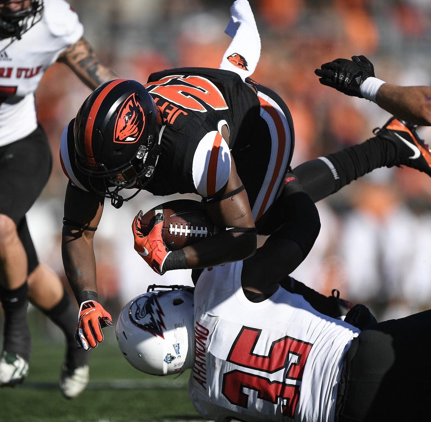 Live updates: Heartbreak for Oregon State in 37-35 loss at Nevada