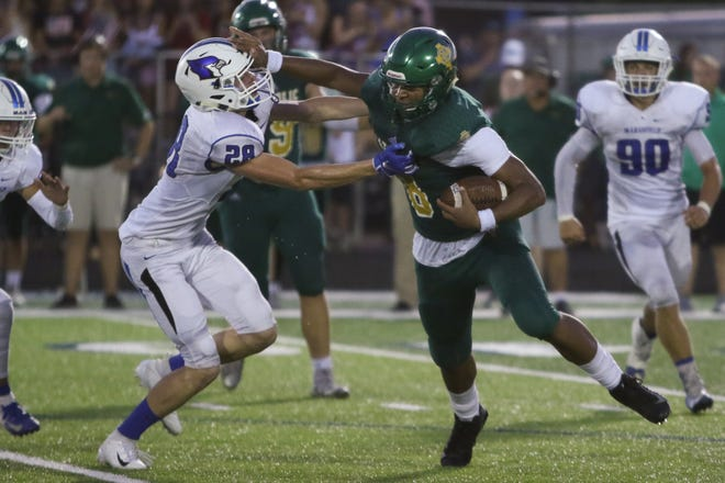 The Springfield Catholic Fighting Irish faced off with the Marshfield Blue Jays Friday September 14, 2018 at home. (Jason Connel / for the News-Leader)