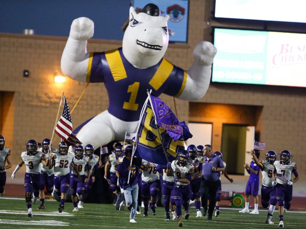 Burges Mustangs takes the field at the SAC