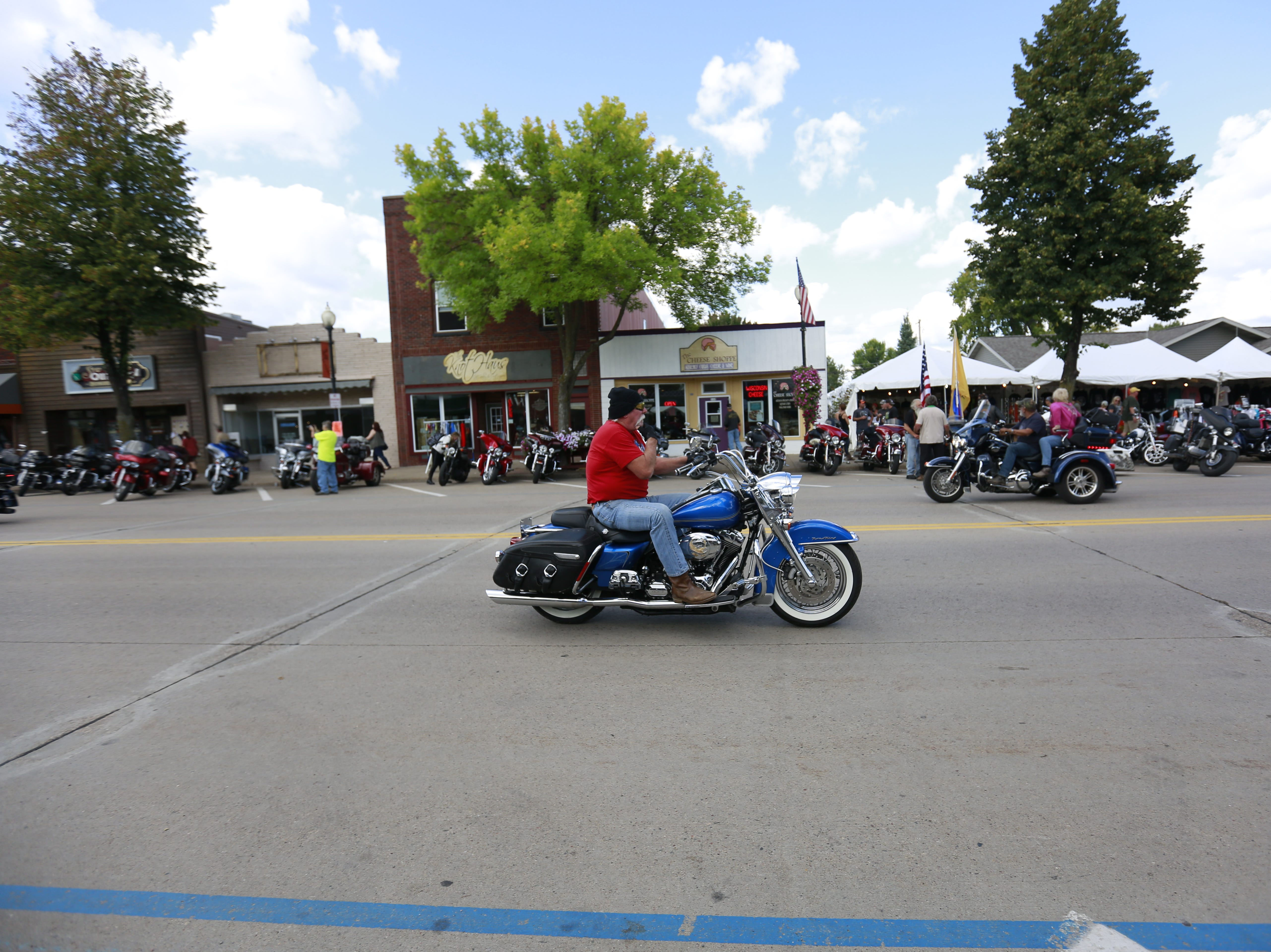 Bikers cruise their motorcycles during the 37th Annual Tomahawk Fall Ride Friday, Sept. 14, 2018, at downtown Tomahawk, Wis. T'xer Zhon Kha/USA TODAY NETWORK-Wisconsin