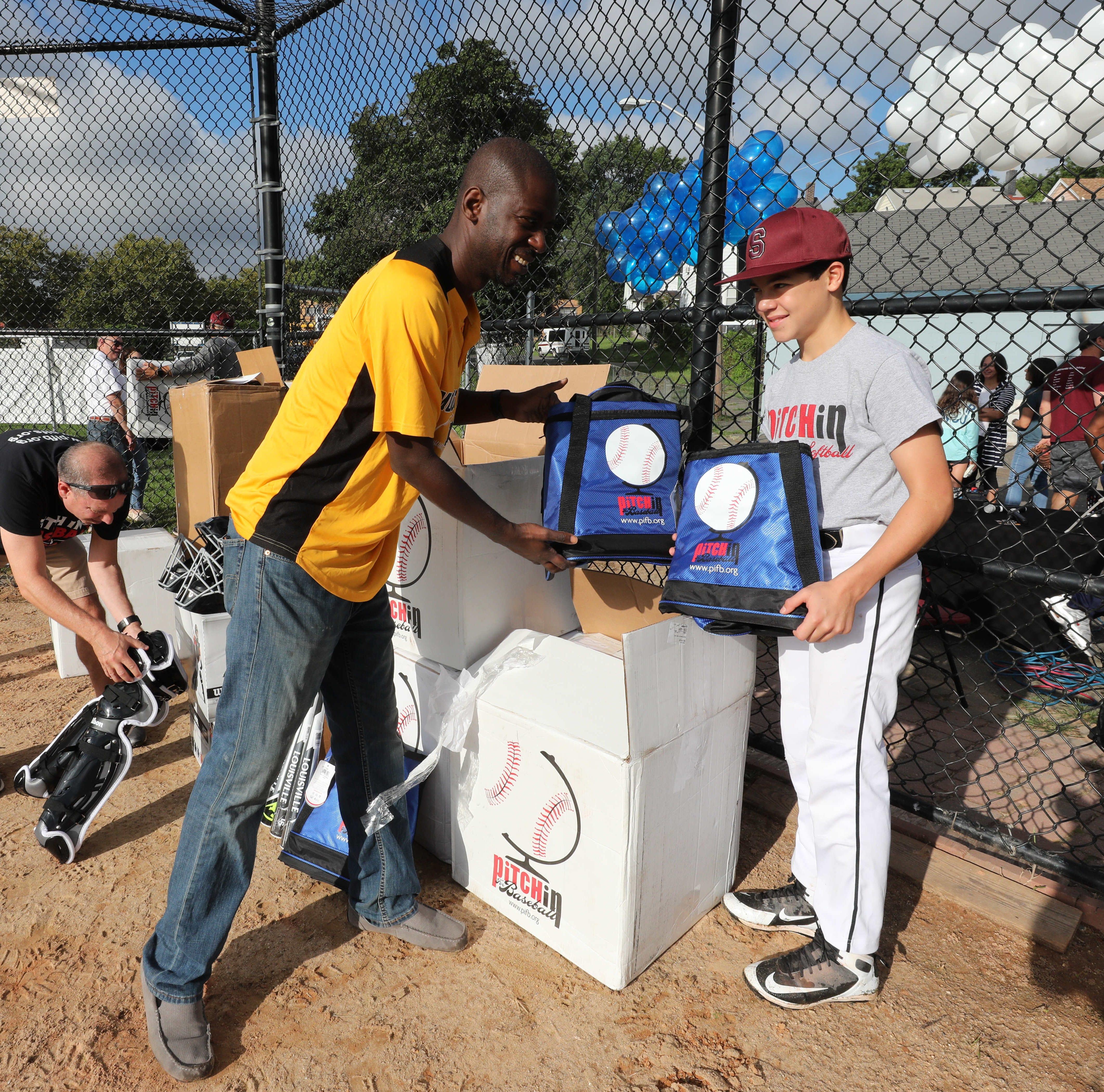 Scarsdale boy donates $20,000 in baseball gear to Mount Vernon little league