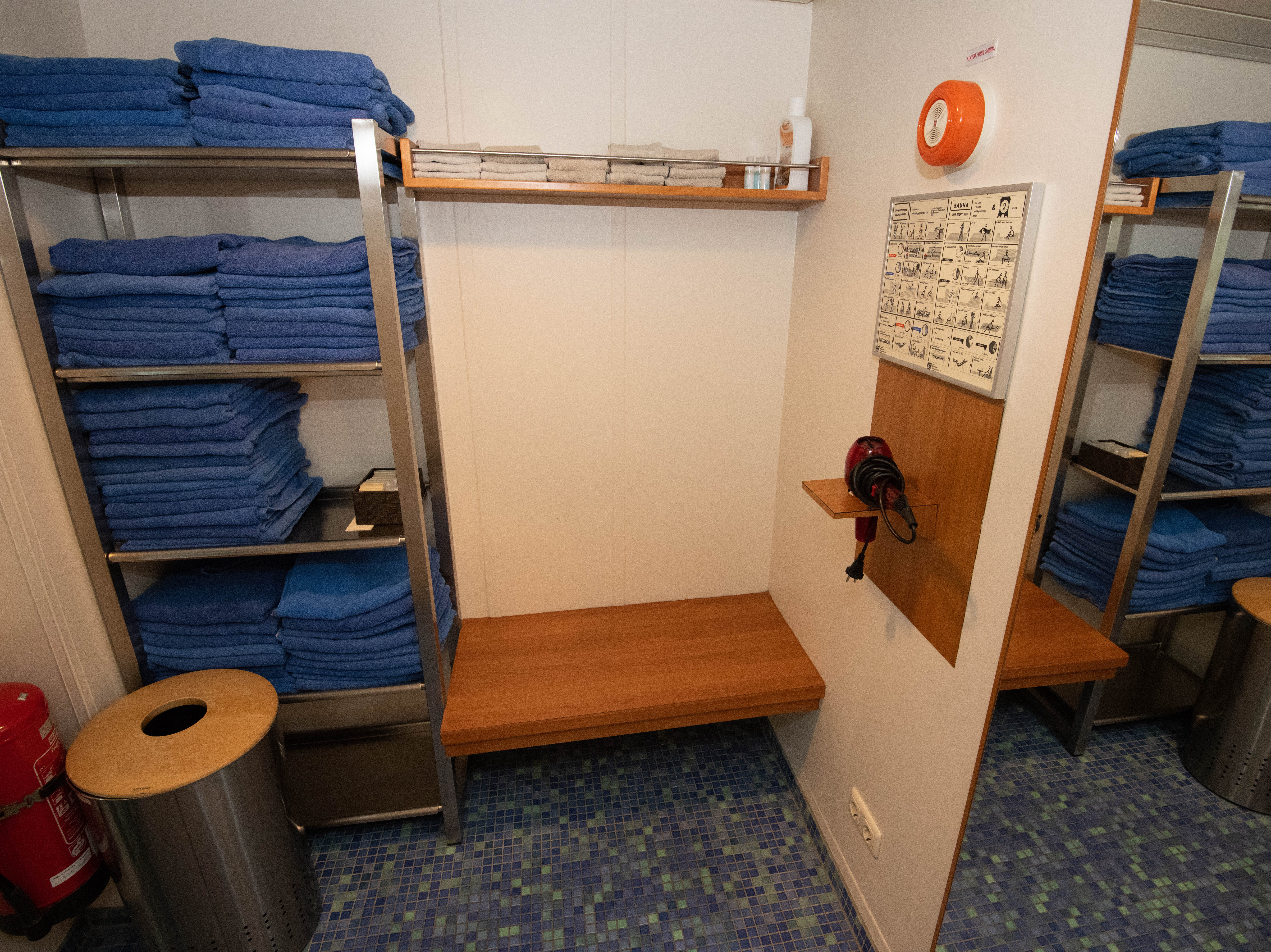 A small changing area in the sauna area.