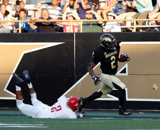 Western Michigan running back LeVante Bellamy runs for a 40-yard touchdown against Delaware State at Waldo Stadium in Kalamazoo on September 15, 2018.