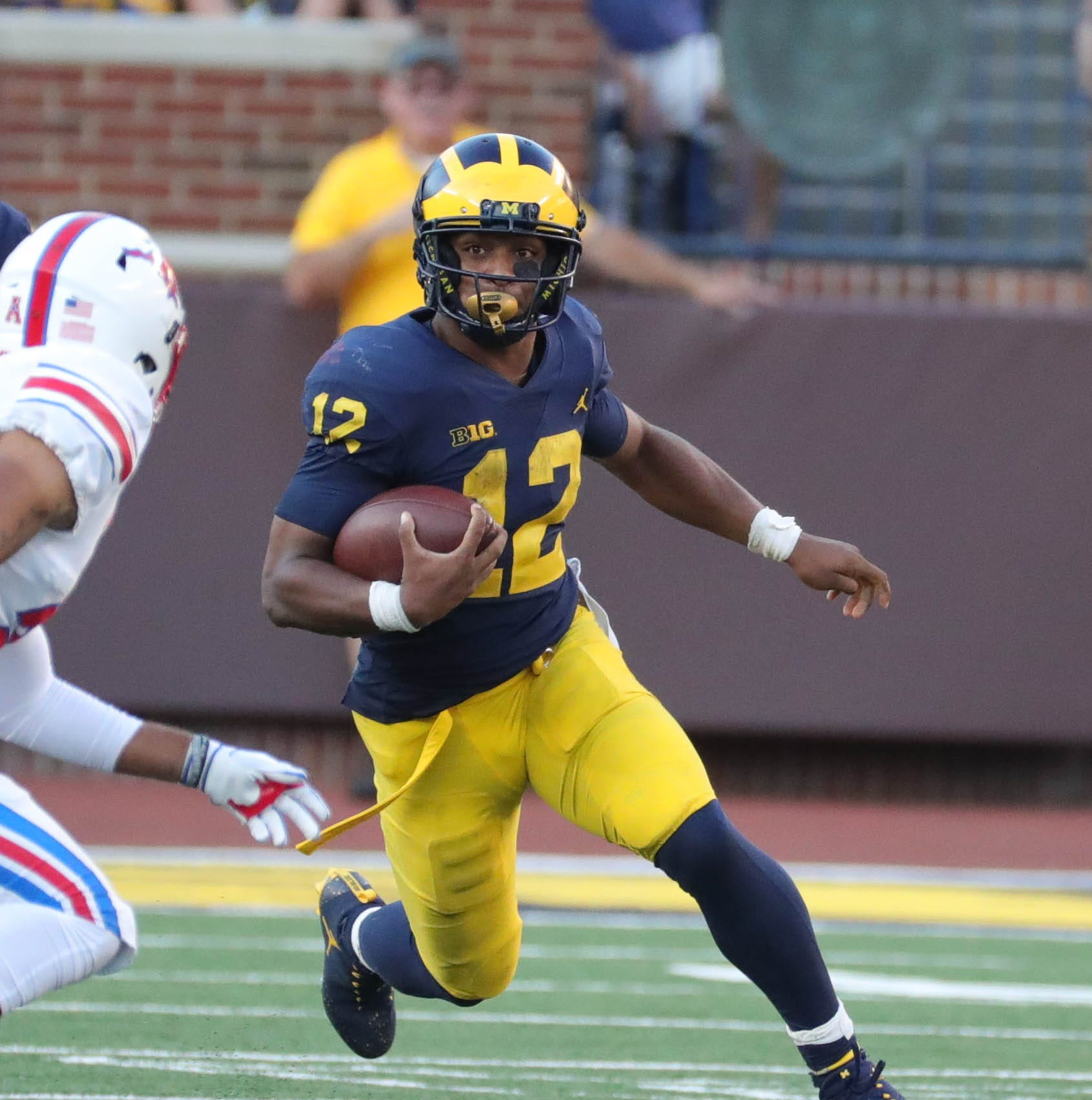 Michigan football RB Chris Evans not dressed for Nebraska game
